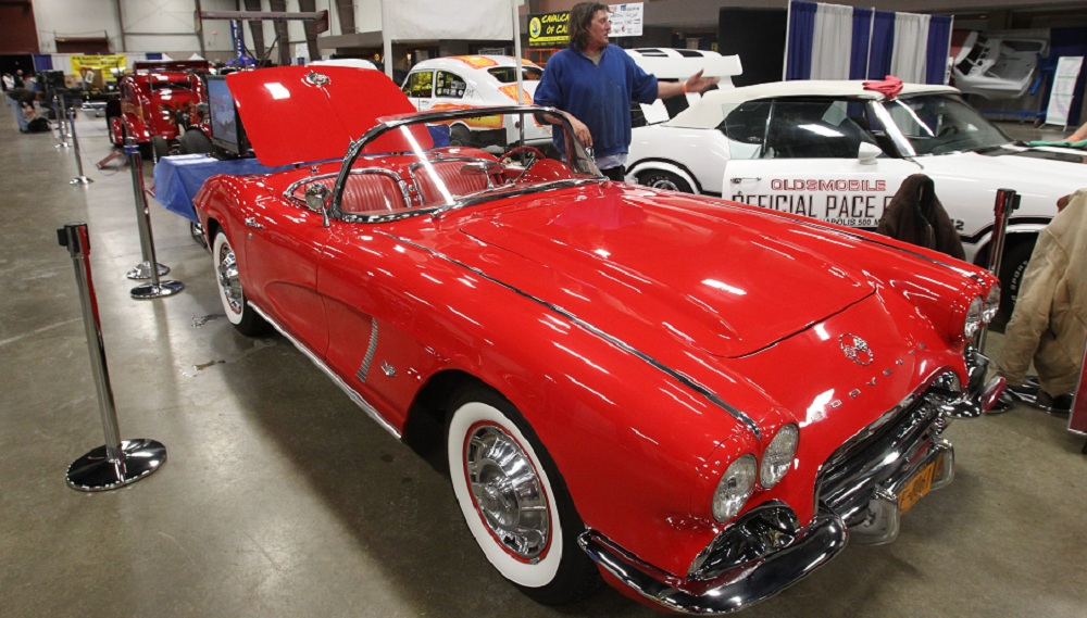 New and old Corvettes, not unlike this 1962 model from the Cavalcade of Cars Show, will be on Old Falls Street. (John Hickey / Buffalo News)
