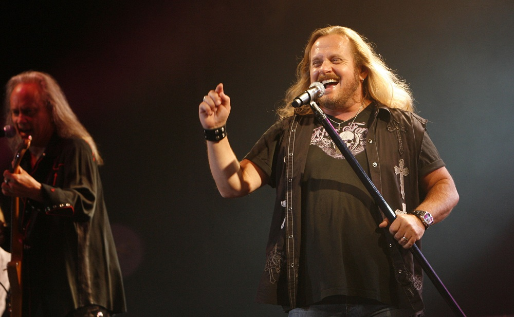 Lynyrd Skynyrd, whose lead vocalist, Johnny Van Zant, performs here in 2007, joined Bad Company at Darien Lake. (Sharon Cantillon / Buffalo News File Photo)