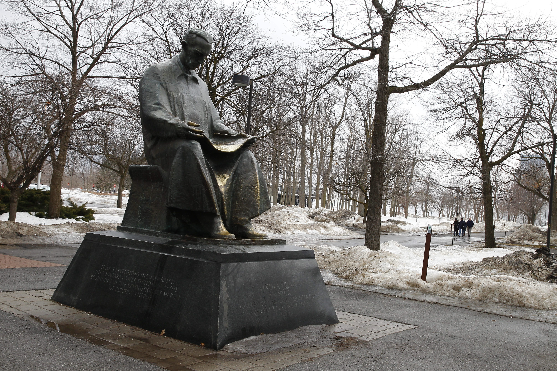 A state honoring Nikola Tesla on Goat Island.  (John Hickey / Buffalo News)