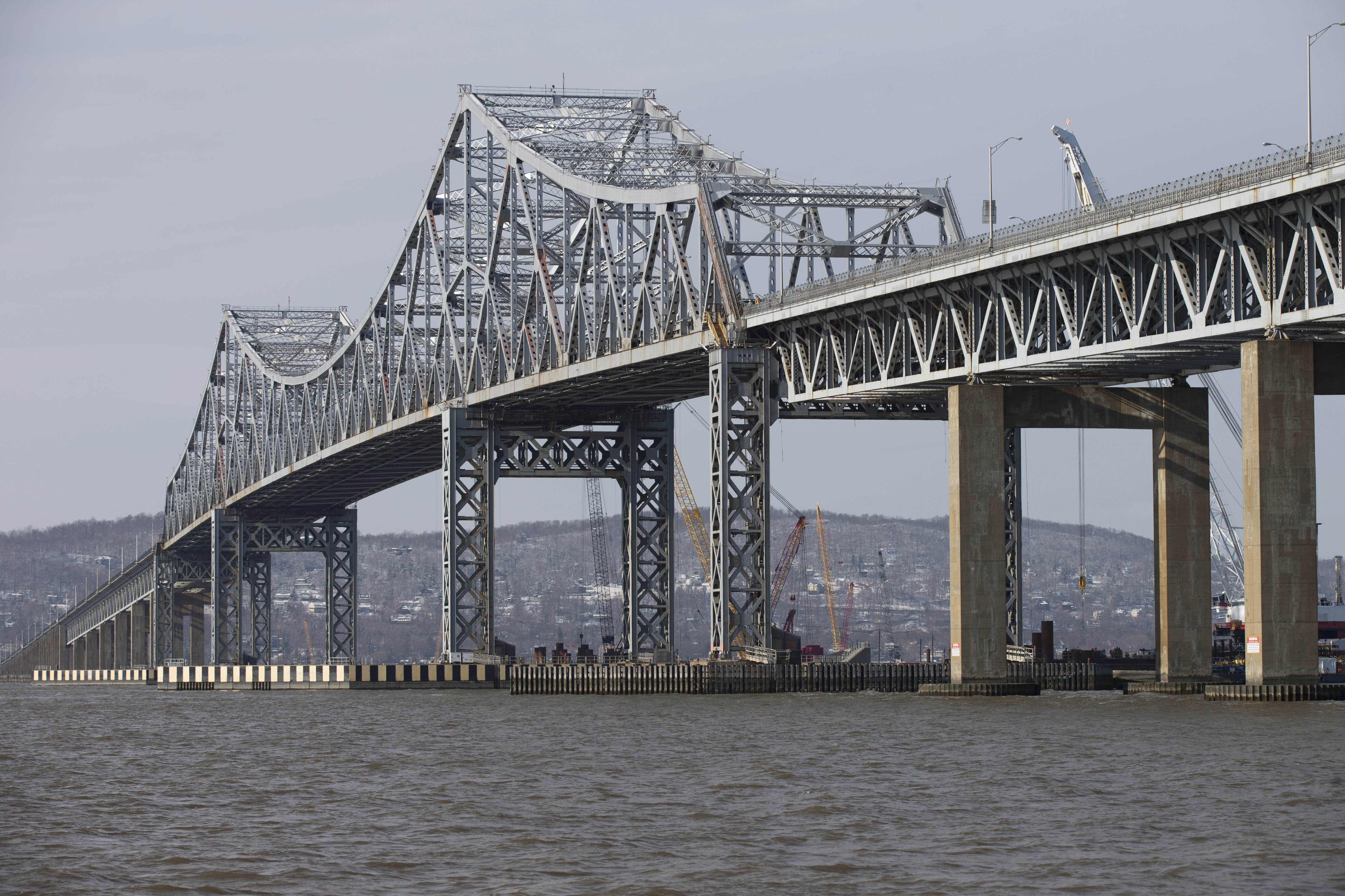 Preliminary work began on the replacement for the deteriorating Tappan Zee Bridge before the financing plan has been made public. (New York Times photo)