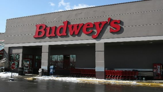 The former Budwey's Market on Kenmore Avenue in Buffalo, once set to become a renovated Dash's, may not reopen as a grocery store after all.