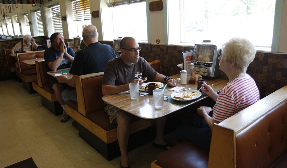 Woodlawn Diner on Lake Shore Drive in Blasdell. Neighbors Raymond Rivera and Mary Ann Najuch have lunch. (Sharon Cantillon/Buffalo News)