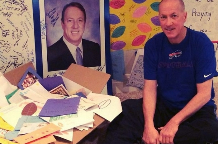 Jim Kelly, in a still from his video on instagram, thanks well-wishers for their support.