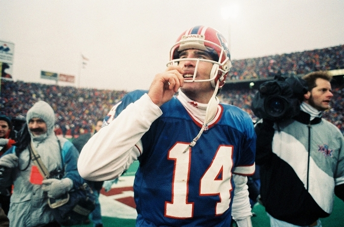 In addition to the comeback win over Houston in the 1992 playoffs,  Frank Reich went 3-0 when Jim Kelly was hurt in 1989. (James P. McCoy/Buffalo News file photo)