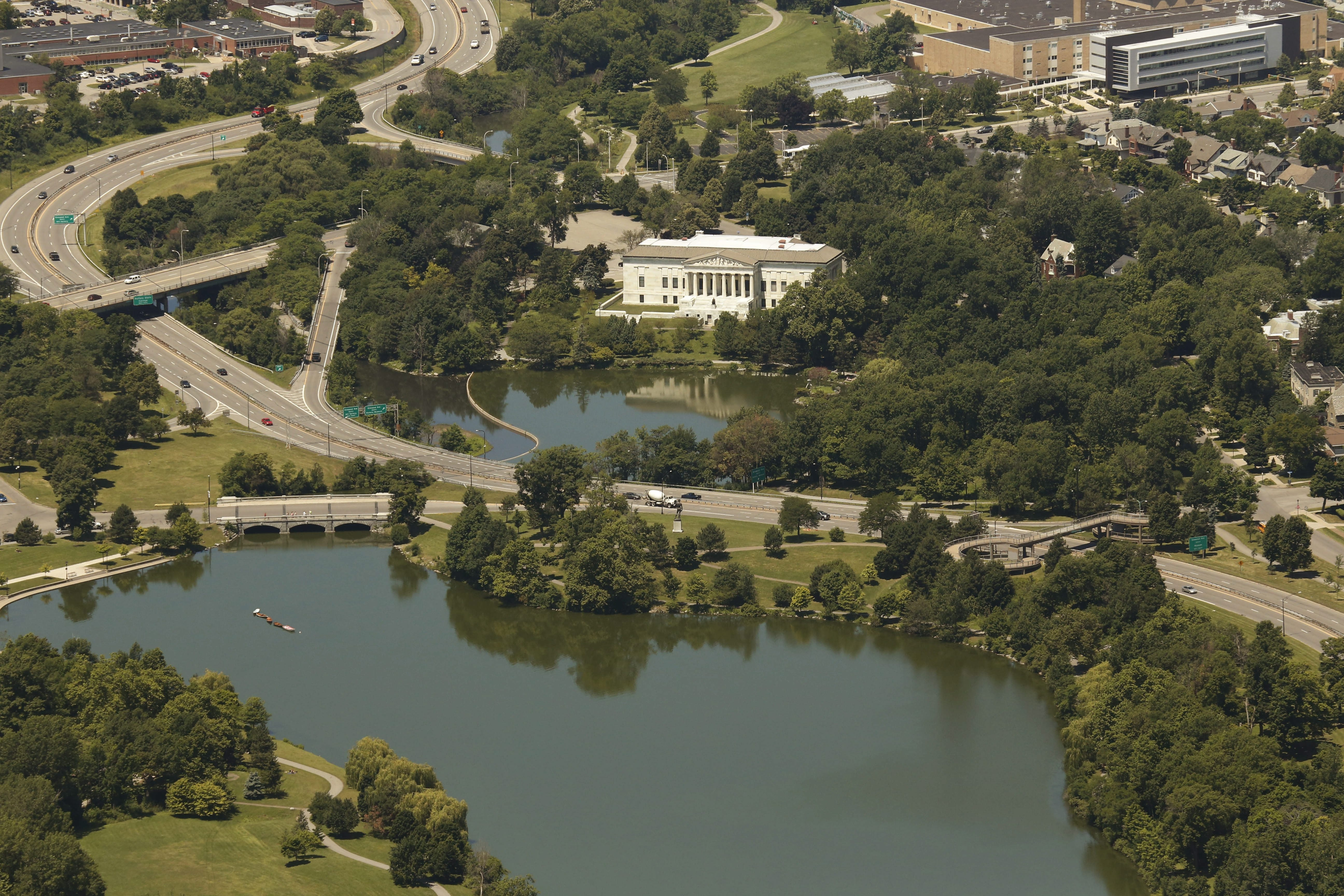 The Buffalo History Museum, Scajaquada Expressway and Delaware Park's Hoyt Lake, Thursday, July 10, 2014.  (Derek Gee/Buffalo News)