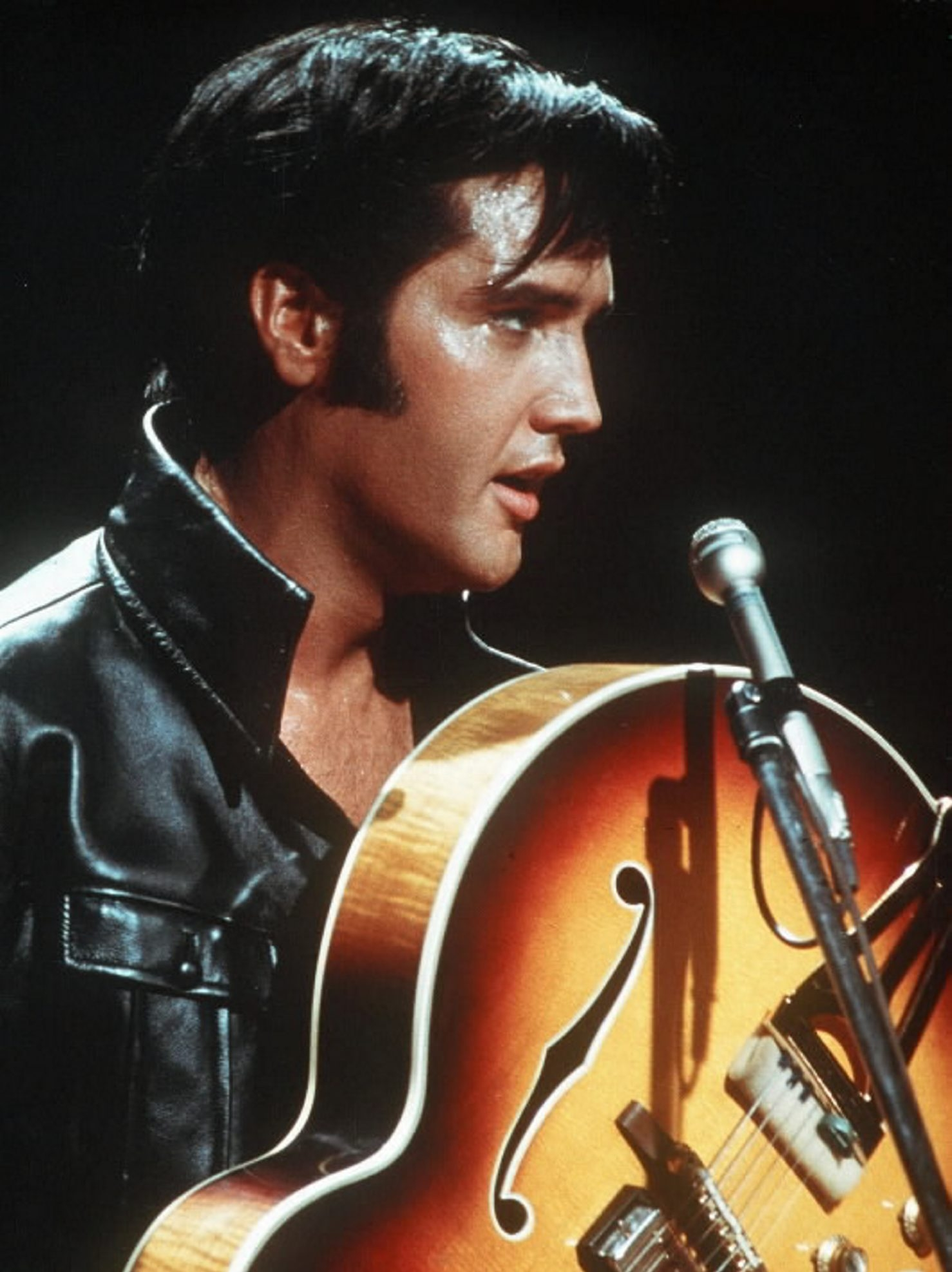 Two-disc set includes complete concert from Elvis Presley's 1970 summer season in Las Vegas.