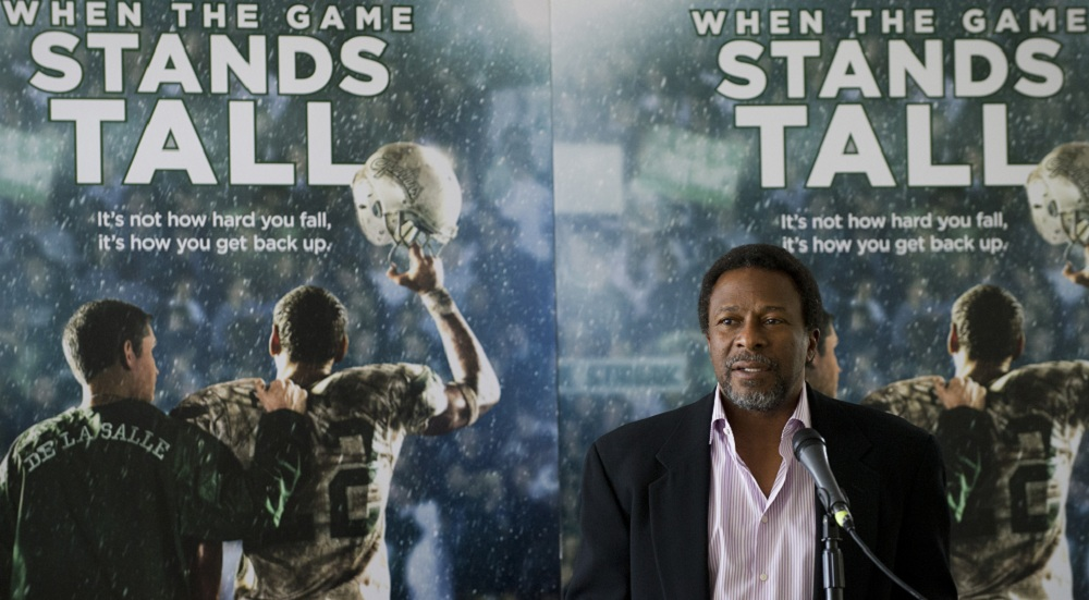"""""""When the Game Stands Tall"""" director Thomas Carter speaks after receiving an honorary proclamation from the State of Texas. (Getty Images)"""