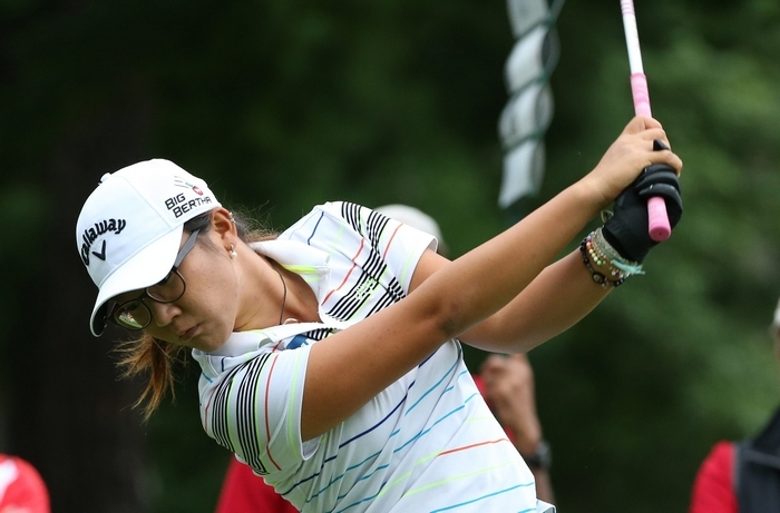 Lydia Ko could become world No. 1 at age 17 if she wins the Wegmans LPGA Championship. The teen sensation is just four shots off the lead heading into the final round.  (James P. McCoy/ Buffalo News)