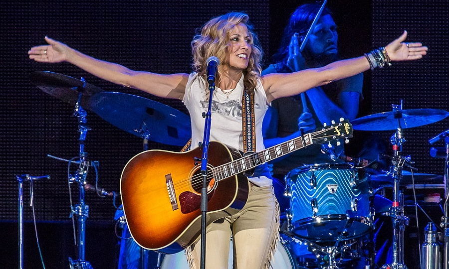 Sheryl Crow got the Darien Lake crowd in motion on Thursday night before Rascal Flatts capped the evening. (Don Nieman / Special to the News)