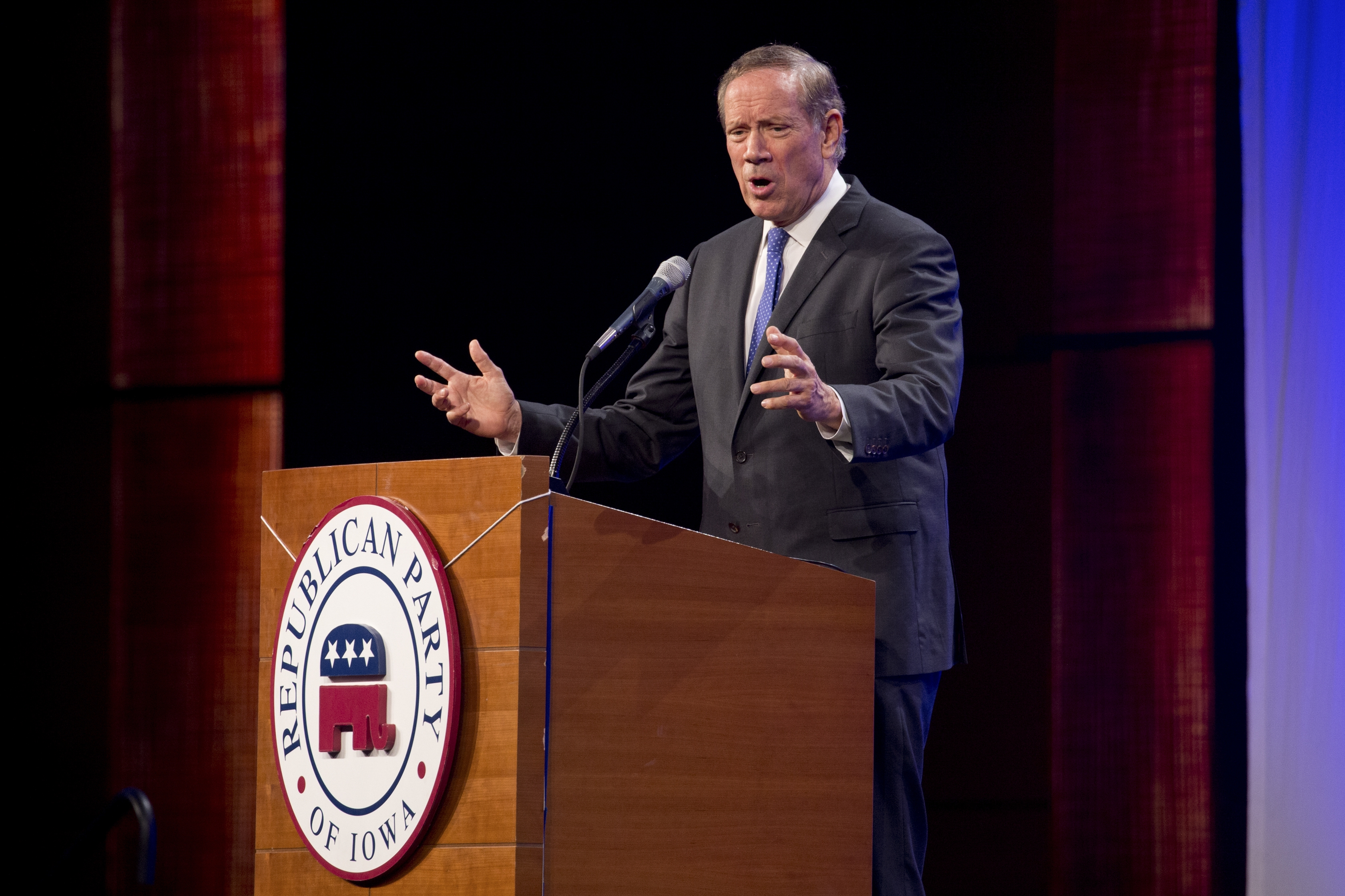 Former New York Gov. George Pataki spoke to Republican stalwarts at the Iowa state party´s Lincoln Dinner.