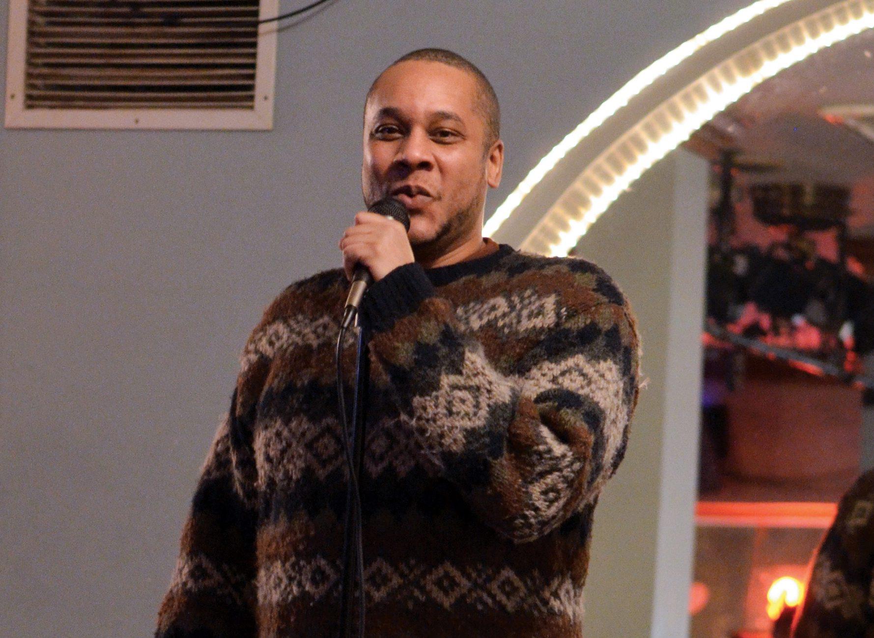 "Tyrone Maclin is a finalist in ""Buffalo's Funniest Person"" contest."