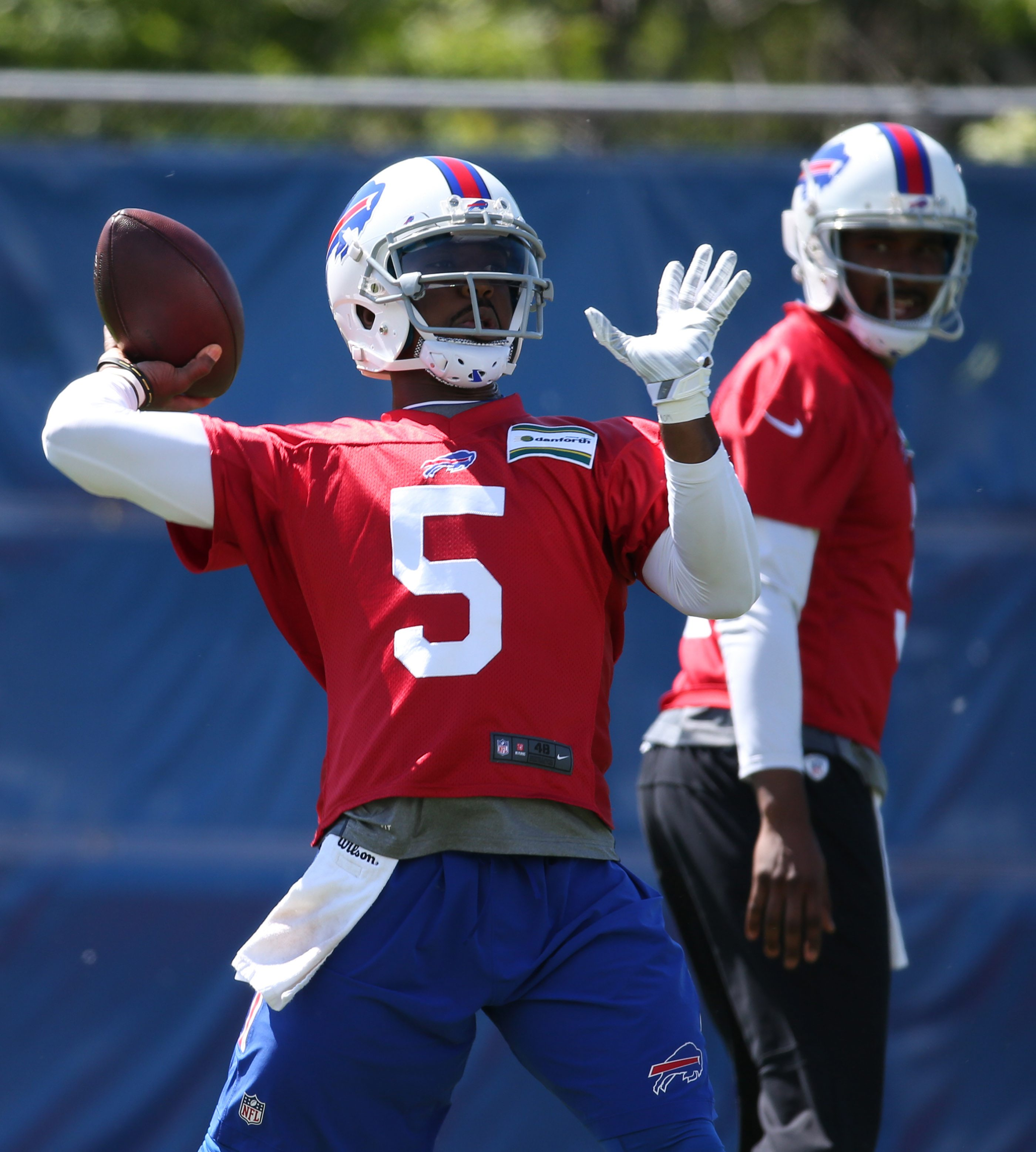 Tyrod Taylor throws a pass during the Bills OTA's in June. (James P. McCoy/Buffalo News)