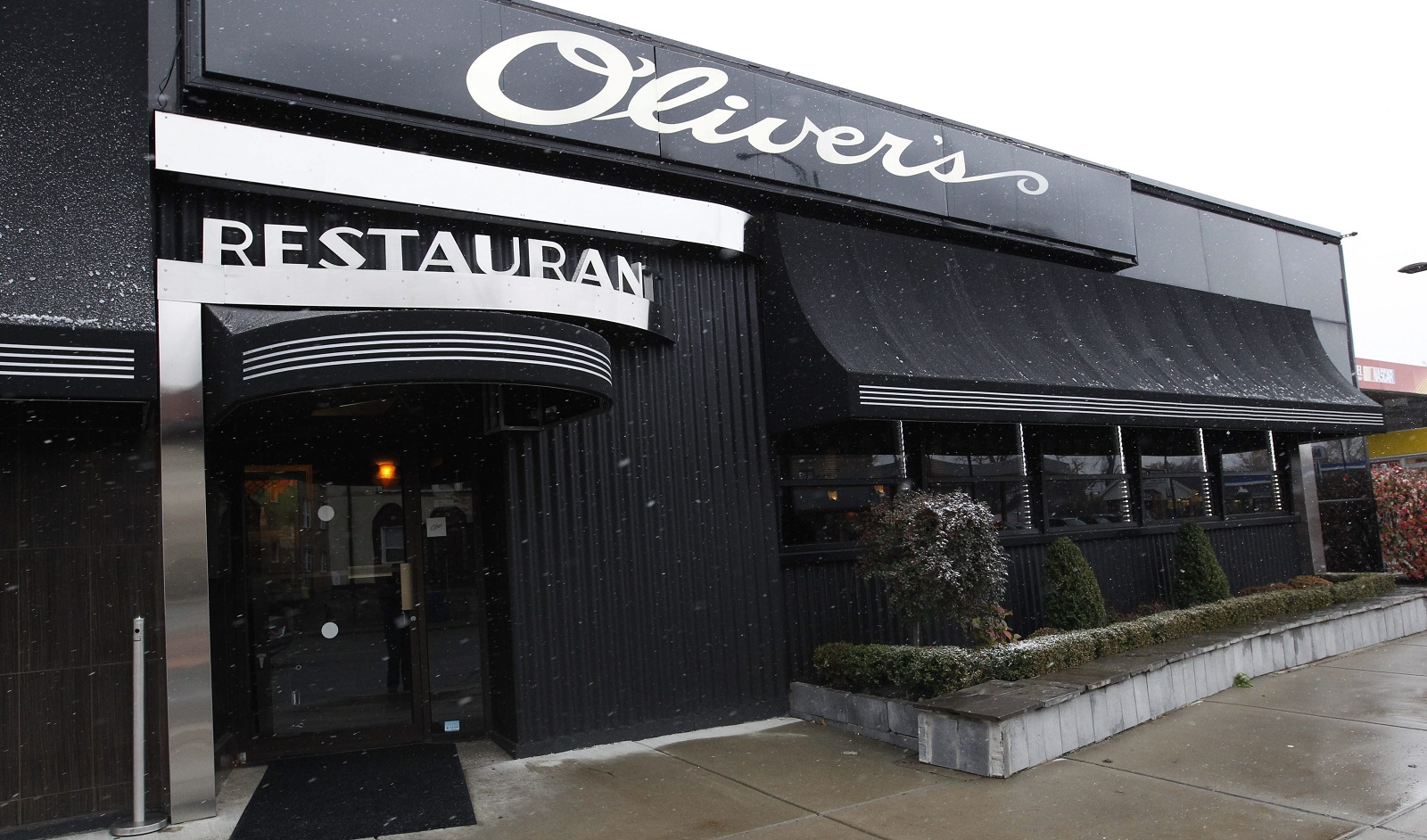 Olivers Restaurant is located in Delaware Avenue. (Sharon Cantillon/Buffalo News file photo)