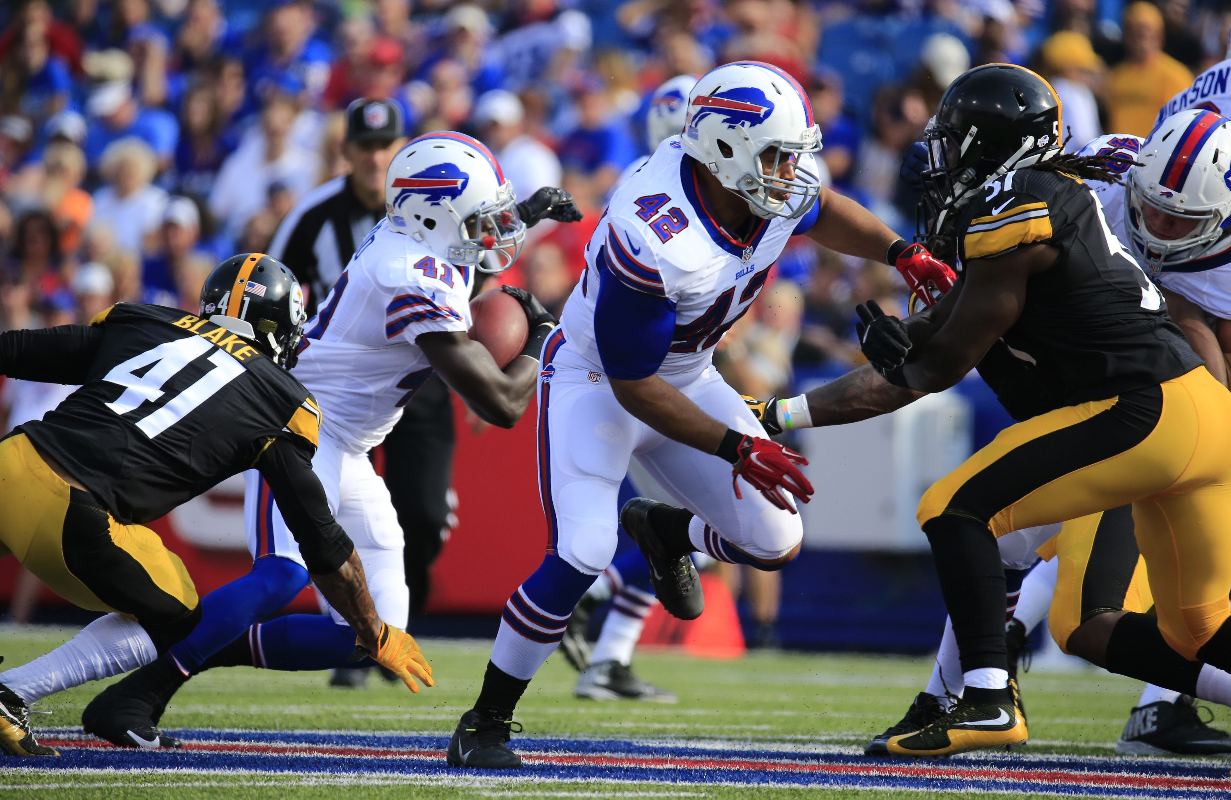 2LINE CUTLINE Buffalo Bills Jerome Felton during first half action against the Pittsburgh Steelers at Ralph WIlson Stadium on Saturday, Aug. 29, 2015.  (Harry Scull Jr./Buffalo News)