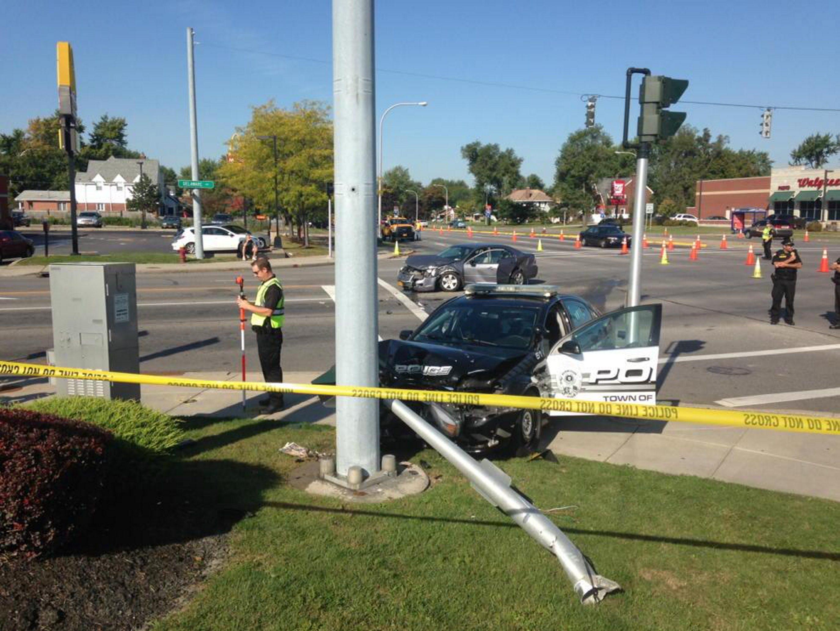 Tonawanda police vehicle involved in two-vehicle accident at Delaware and Sheridan in Tonawanda. (John Hickey/Buffalo News)