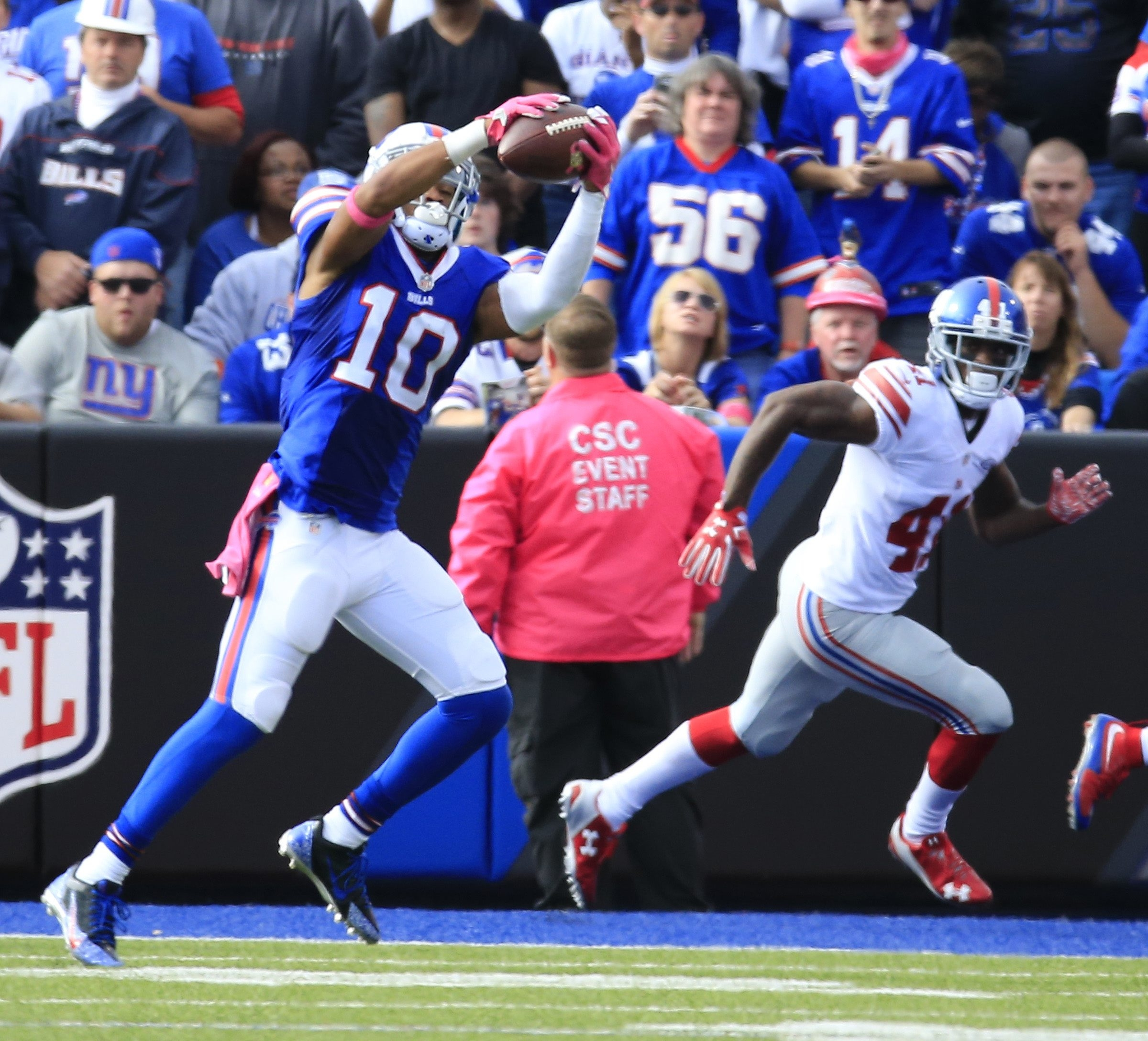 Buffalo Bills Robert Woods makea a catch against the  New York Giants during the fourth quarter action at Ralph Wilson Stadium on Sunday, Oct. 4, 2015.  (Harry Scull Jr./Buffalo News)