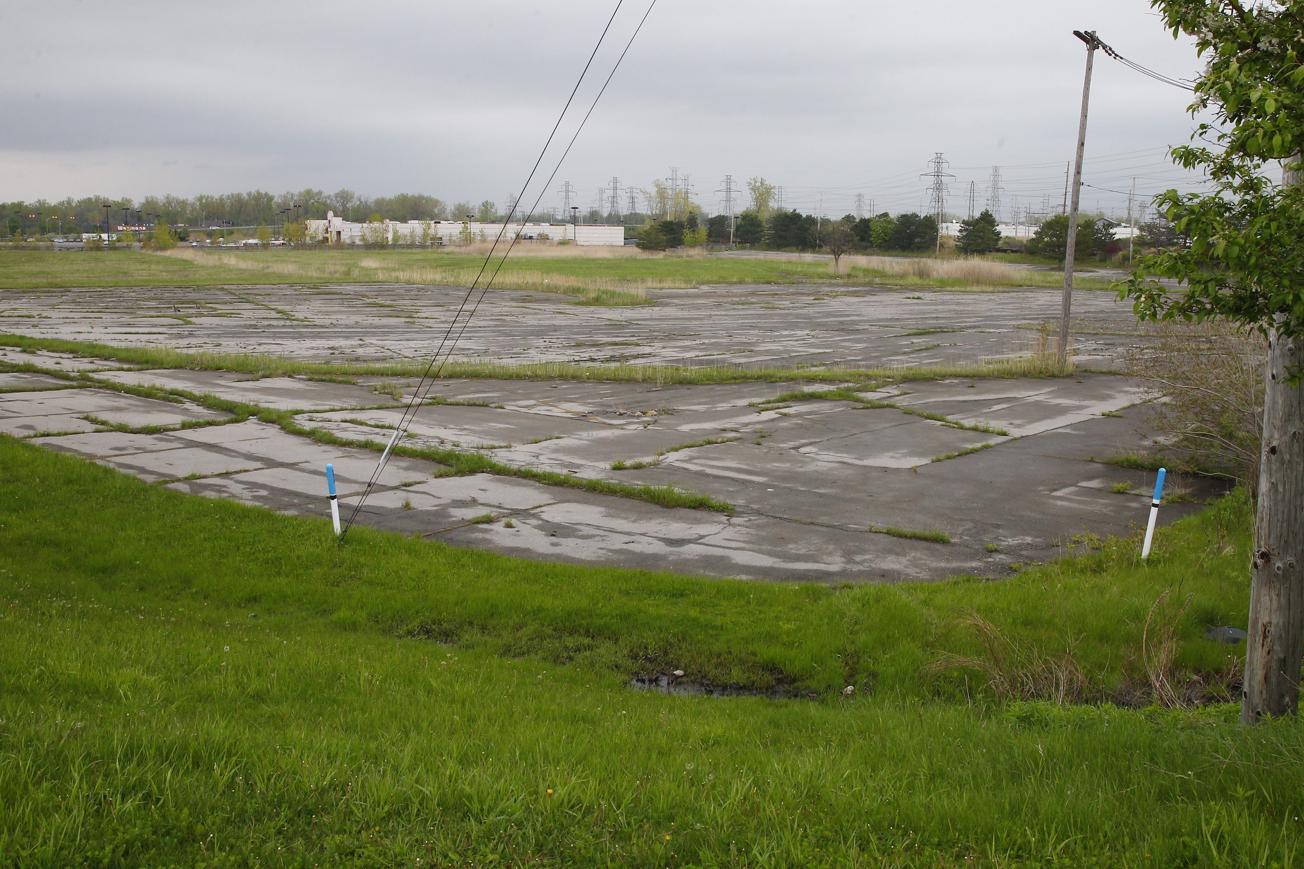 The former Seneca Mall site is seen at Slade and Ridge Road in West Seneca. (John Hickey/News file photo)