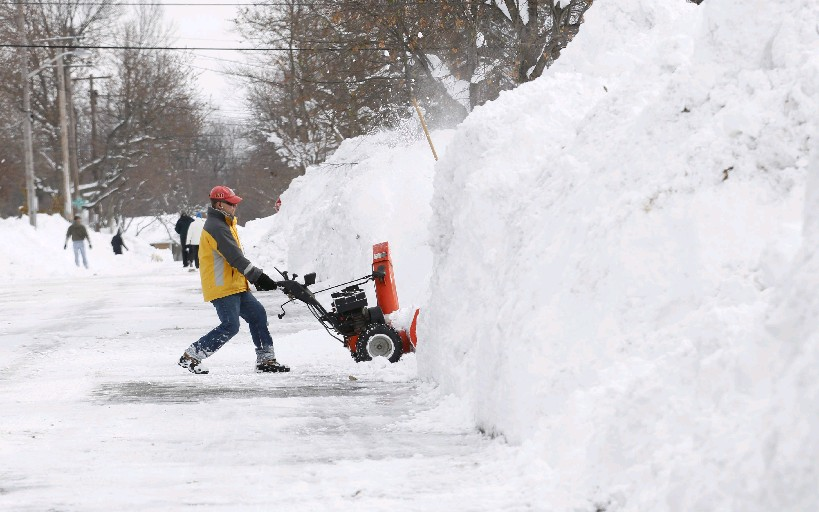 Snow was measured in feet around the Buffalo Niagara region in 2014, but not even a fraction of an inch has fallen yet this year at the Buffalo Niagara International Airport. (Sharon Cantillon / Buffalo News)