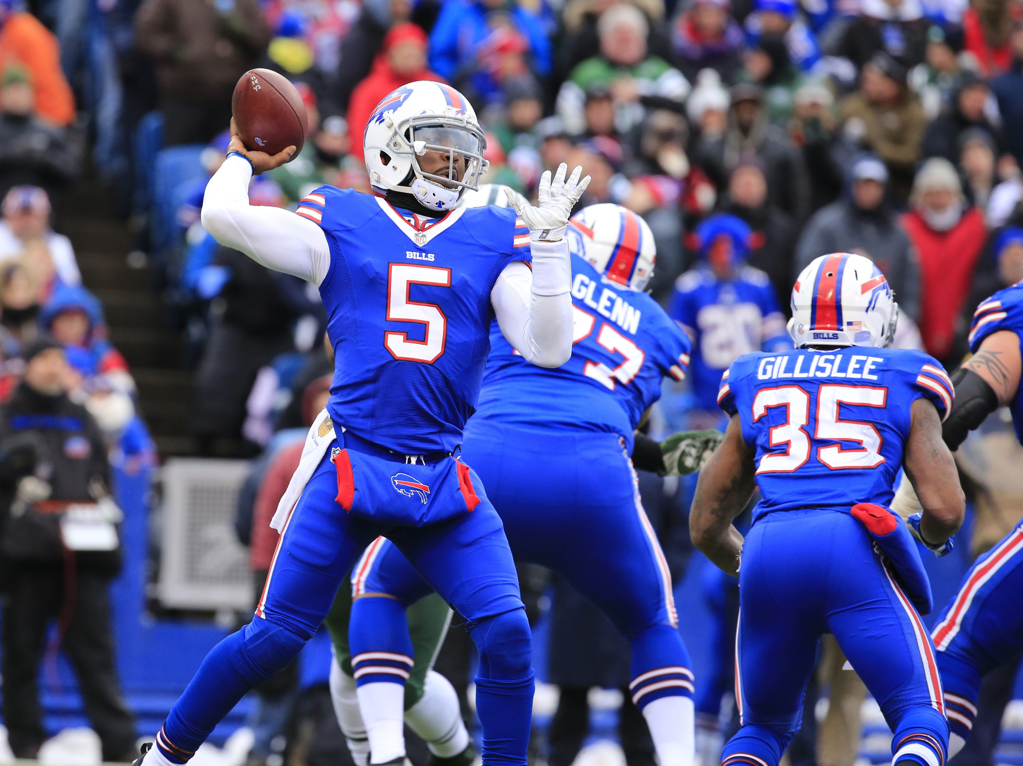 Buffalo Bills Tyrod Taylor throws against the New York Jets during third quarter action  at Ralph Wilson Stadium on Sunday, Jan. 3, 2016.  (Harry Scull Jr./Buffalo News)