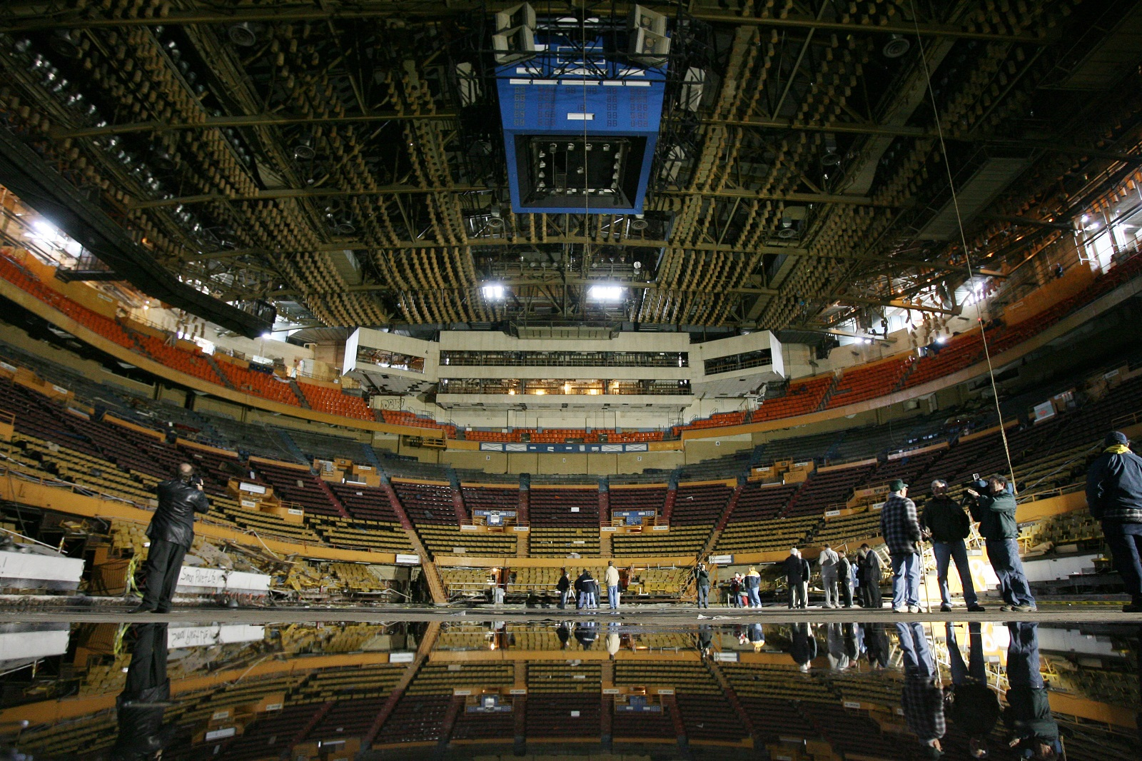Paying last respects to Memorial Auditorium before its demolition in 2008. (News file photo)