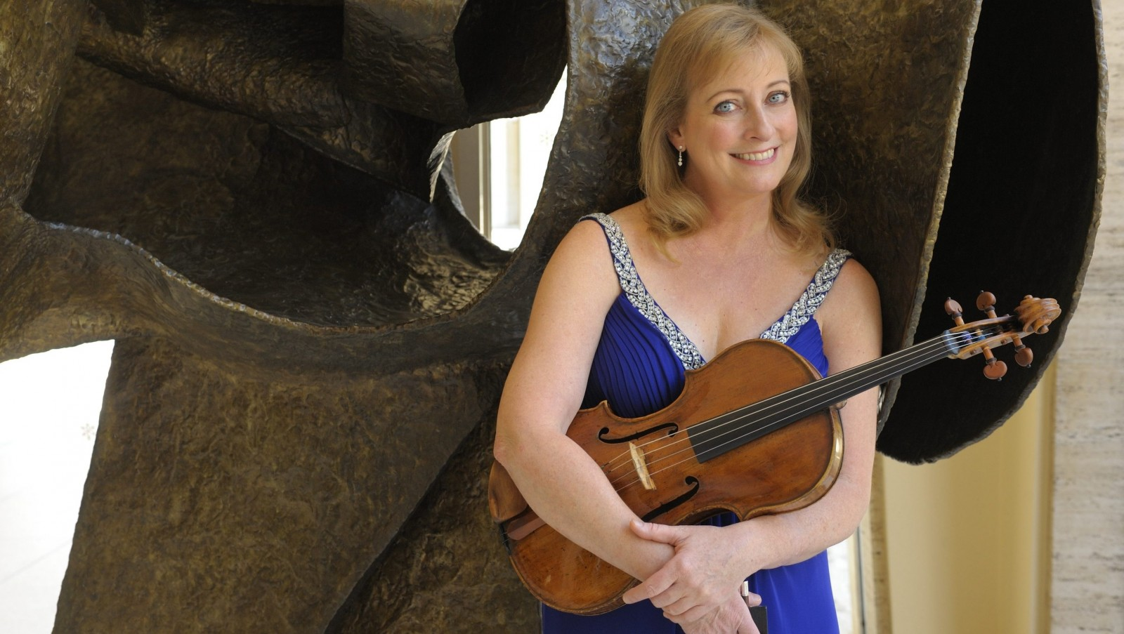 Violist Cynthia Phelps of the New York Philharmonic will perform at the University at Buffalo on Feb. 5.