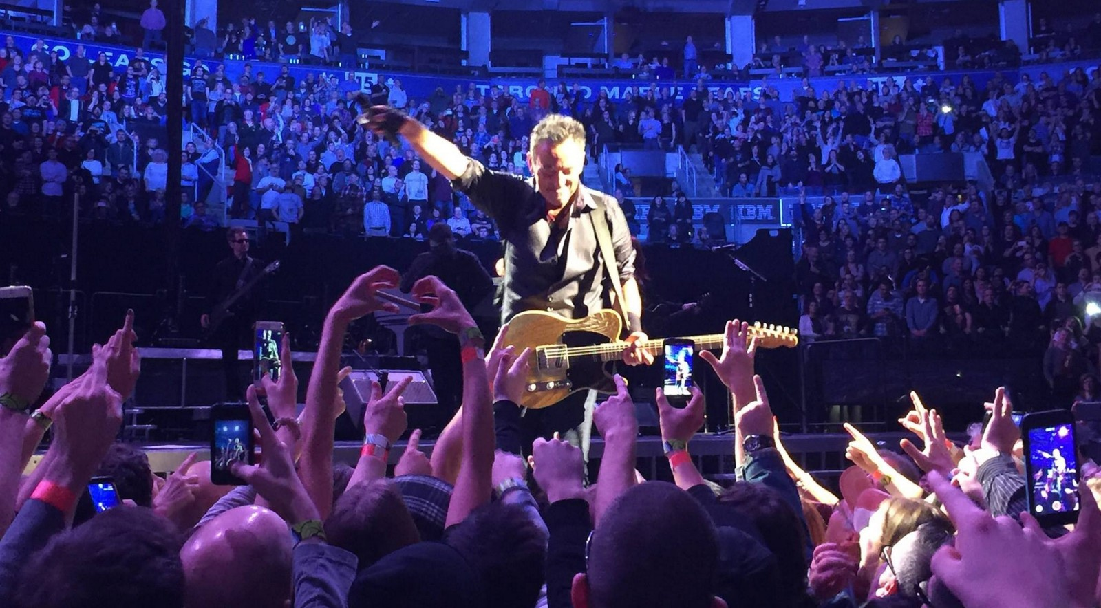 Bruce Springsteen and the E Street Band play in Pittsburgh, just a few weeks before this month's date in Buffalo, which arrives Thursday. (Photo from Daryl Brothers)