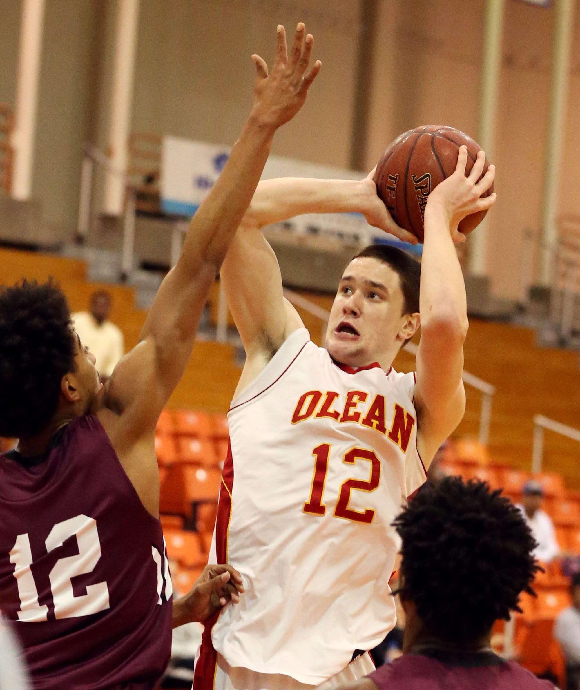 Olean's Ben Eckstrom led the top-seeded Huskies with 19 points in the Section VI federation B-1 semifinals at the Buffalo State Sports Arena on Thursday.