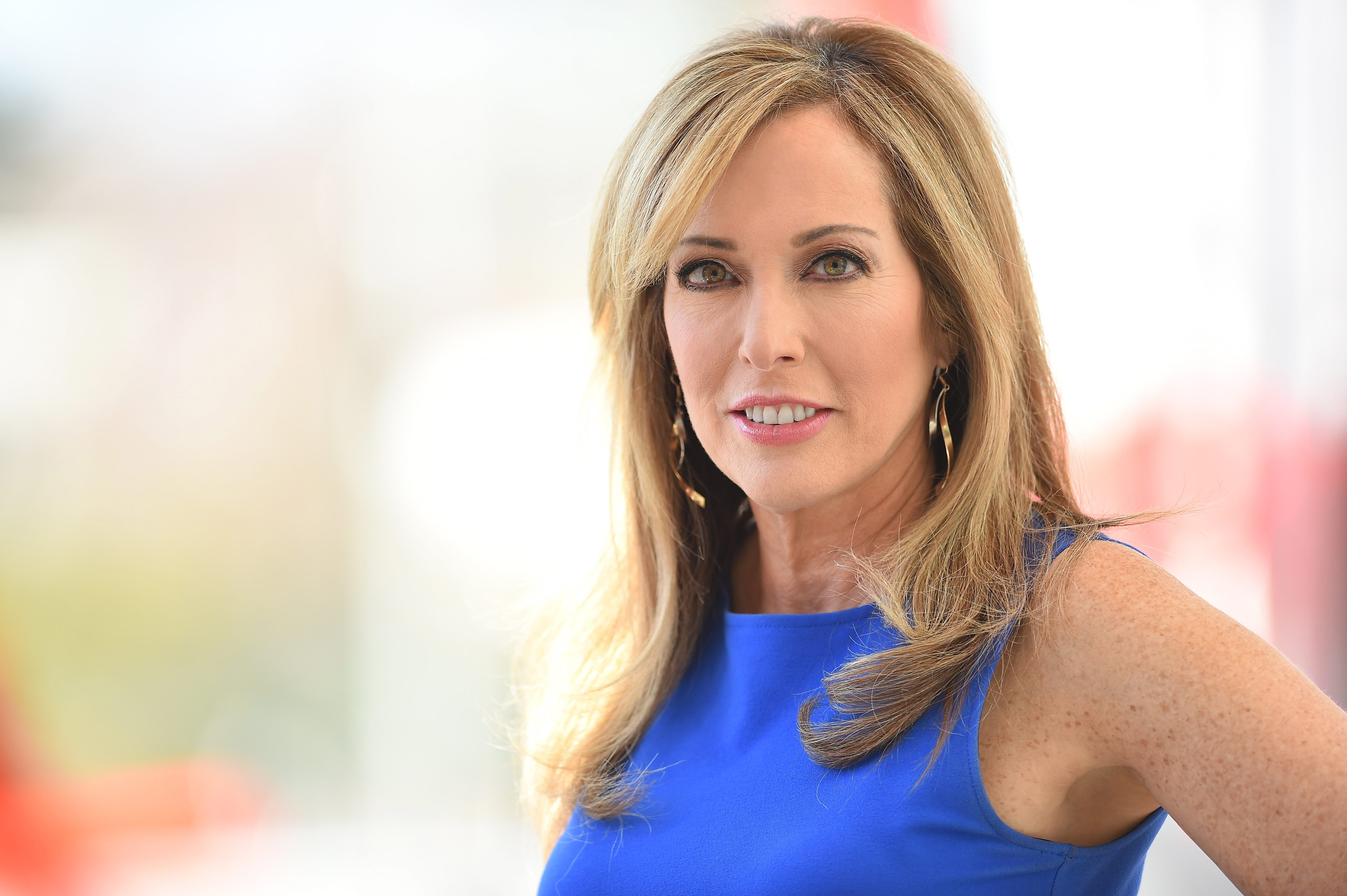 Linda Cohn went from a former hockey goalie at SUNY Oswego to ESPN's most durable SportsCenter anchor.