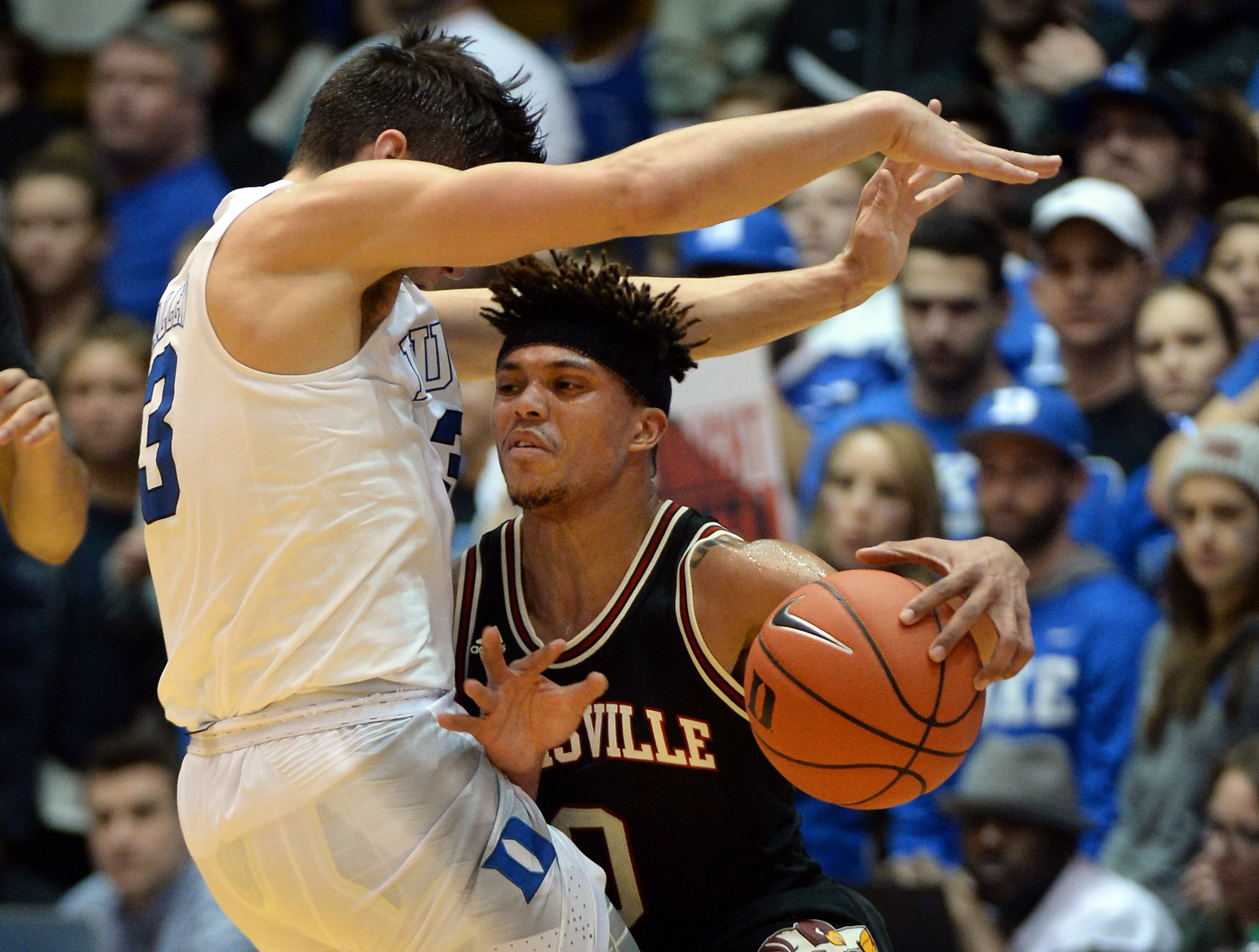 Louisville guard Damion Lee transferred to the school to play in the NCAA Tournament, and now he won't be able to.