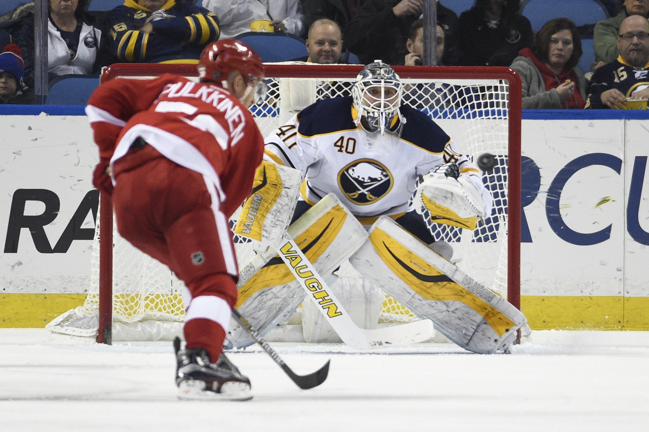 Robin Lehner has recorded at least 33 saves in his last five games.