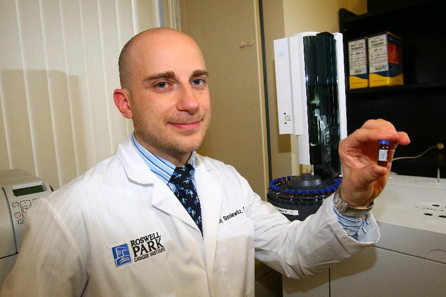 Roswell Park Cancer Researcher Maciej Goniewicz worked with colleagues in Buffalo and researchers in Poland on a study involving e-cigarettes. (John Hickey/Buffalo News file photo)