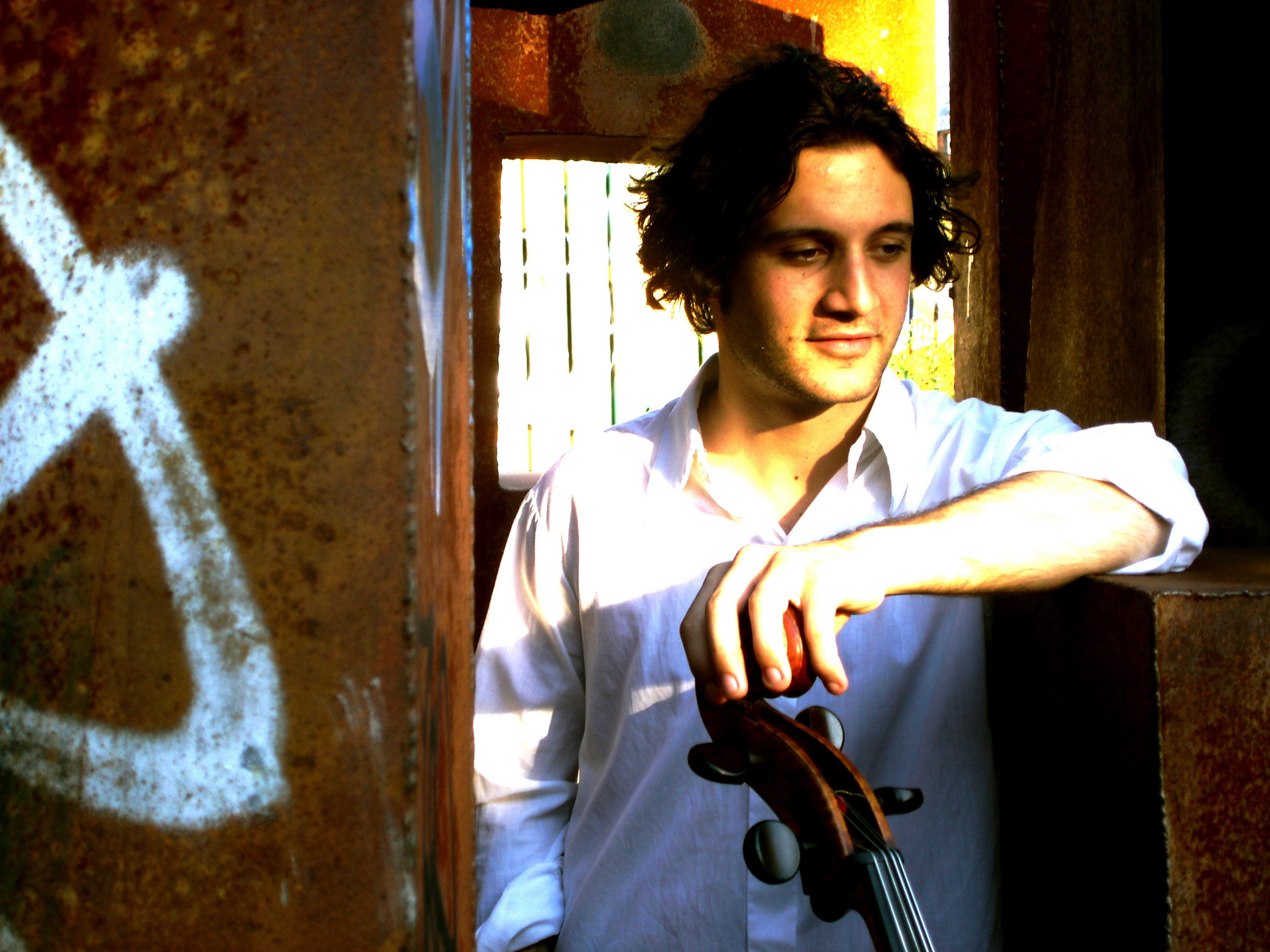 Nicholas Altstaedt will perform the soaring melodies of Sir Edward Elgar's cello concerto.