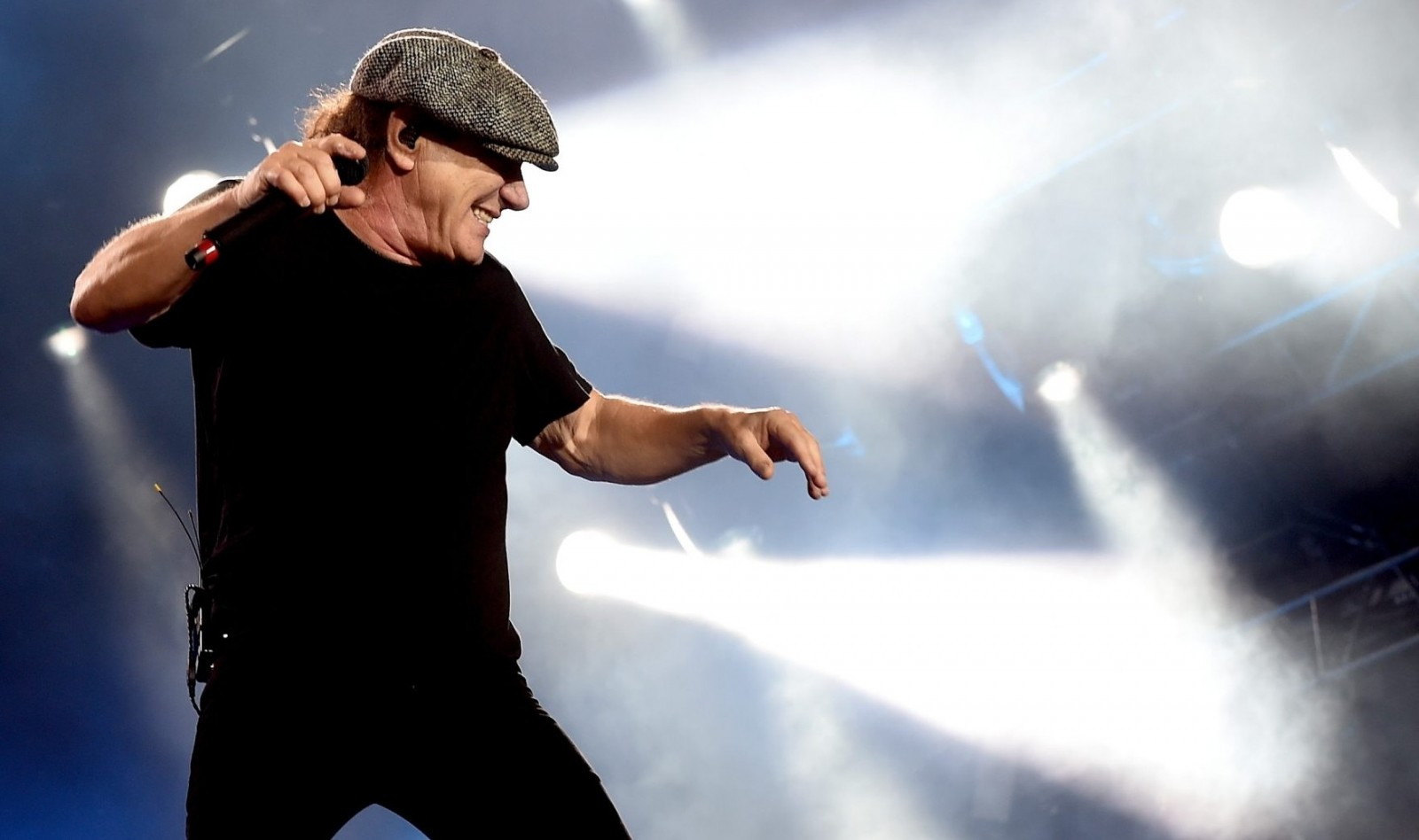 Doctors told AC/DC singer Brian Johnson that further touring would lead to permanent hearing loss.