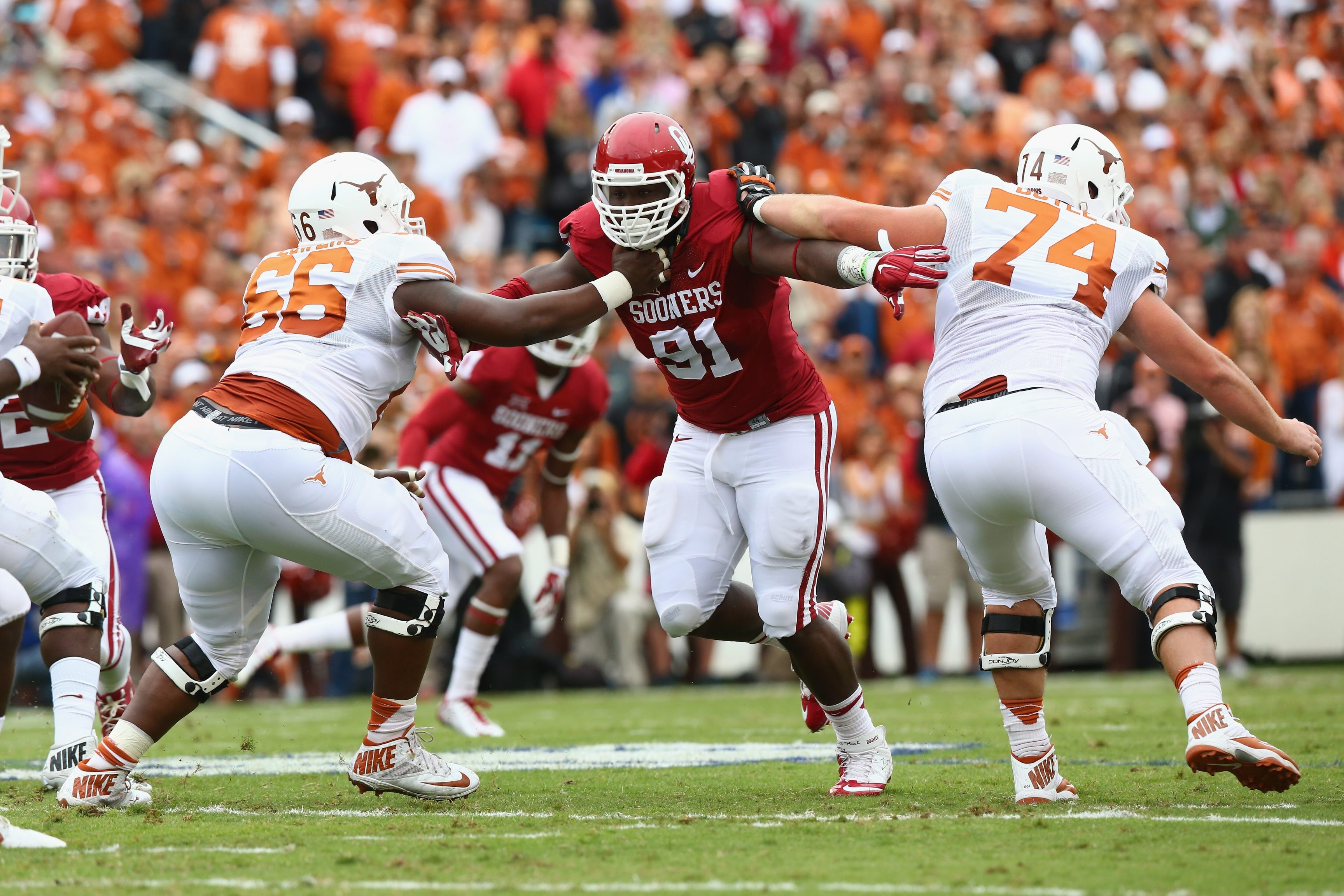 Oklahoma Sooners defensive end Charles Tapper is shown Oct. 11, 2014, at the Cotton Bowl in Dallas, Texas.