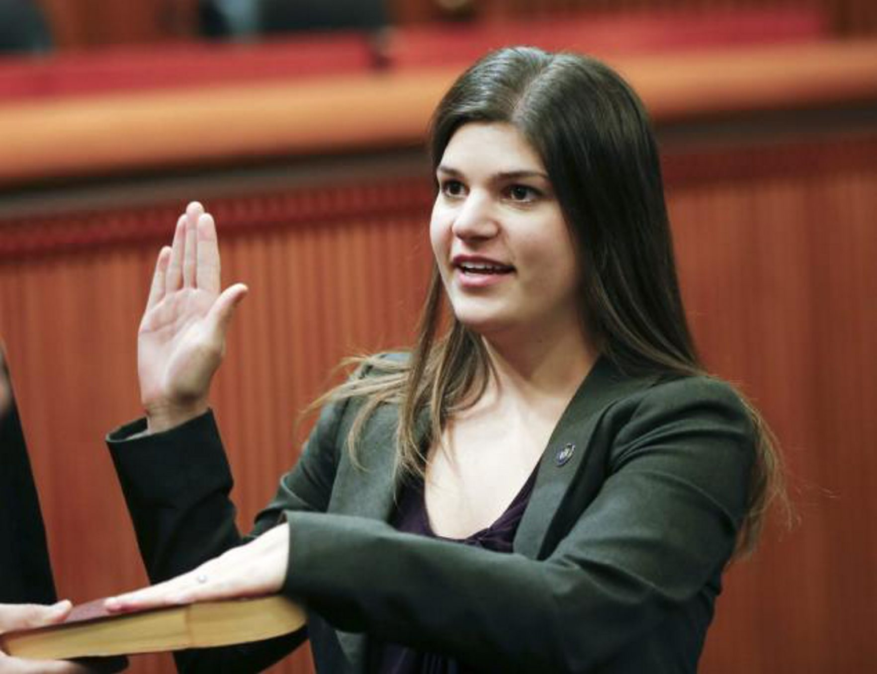 Cheektowaga Assemblywoman Angela Wozniak has let her constituents down.