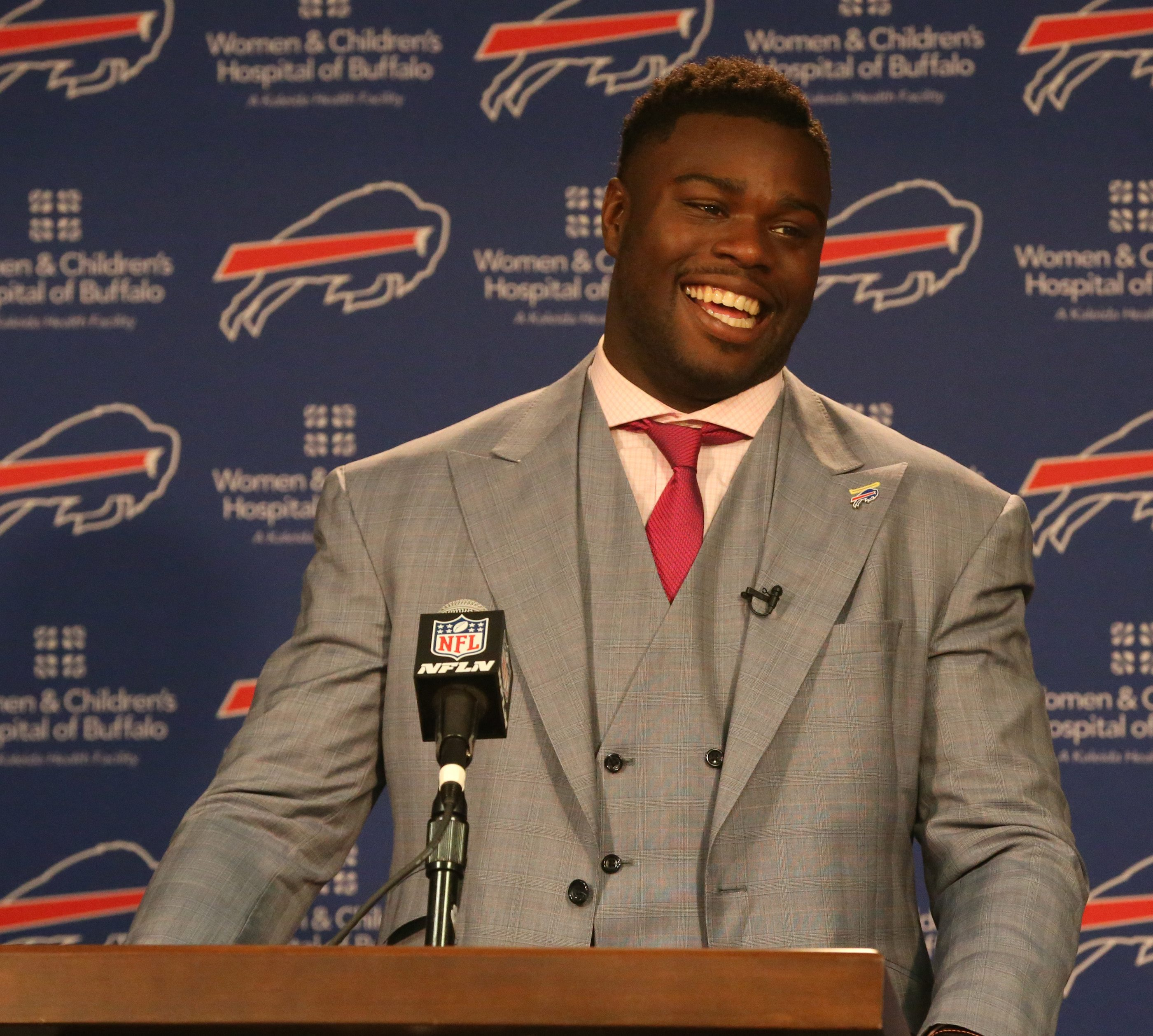 Shaq Lawson meets with the media (James P. McCoy/Buffalo News)