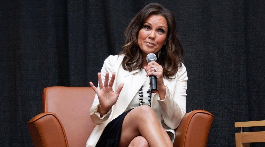 Vanessa Williams shared her perspective on leadership and success April 27 at a Leadership Niagara luncheon. (Photo by Mike Freedman)