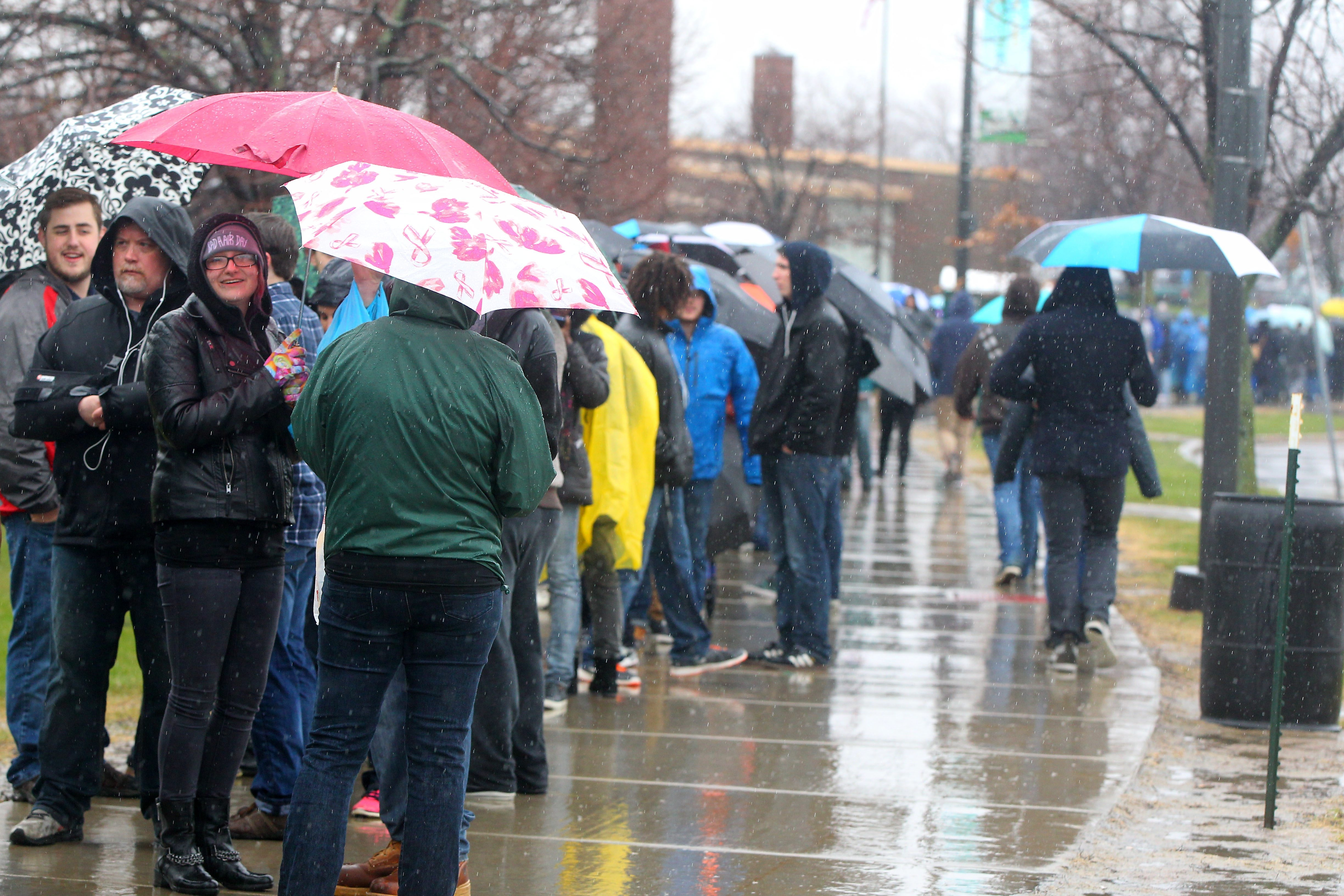 Bernie Sanders supporters line up outside of Alumni Arena on the UB campus in Amherst Monday, April 11, 2016.   (Mark Mulville/Buffalo News)