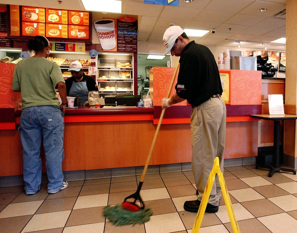 Fast food workers' wages will rise faster than other minimum wage workers in New York State. (Bloomberg photo)