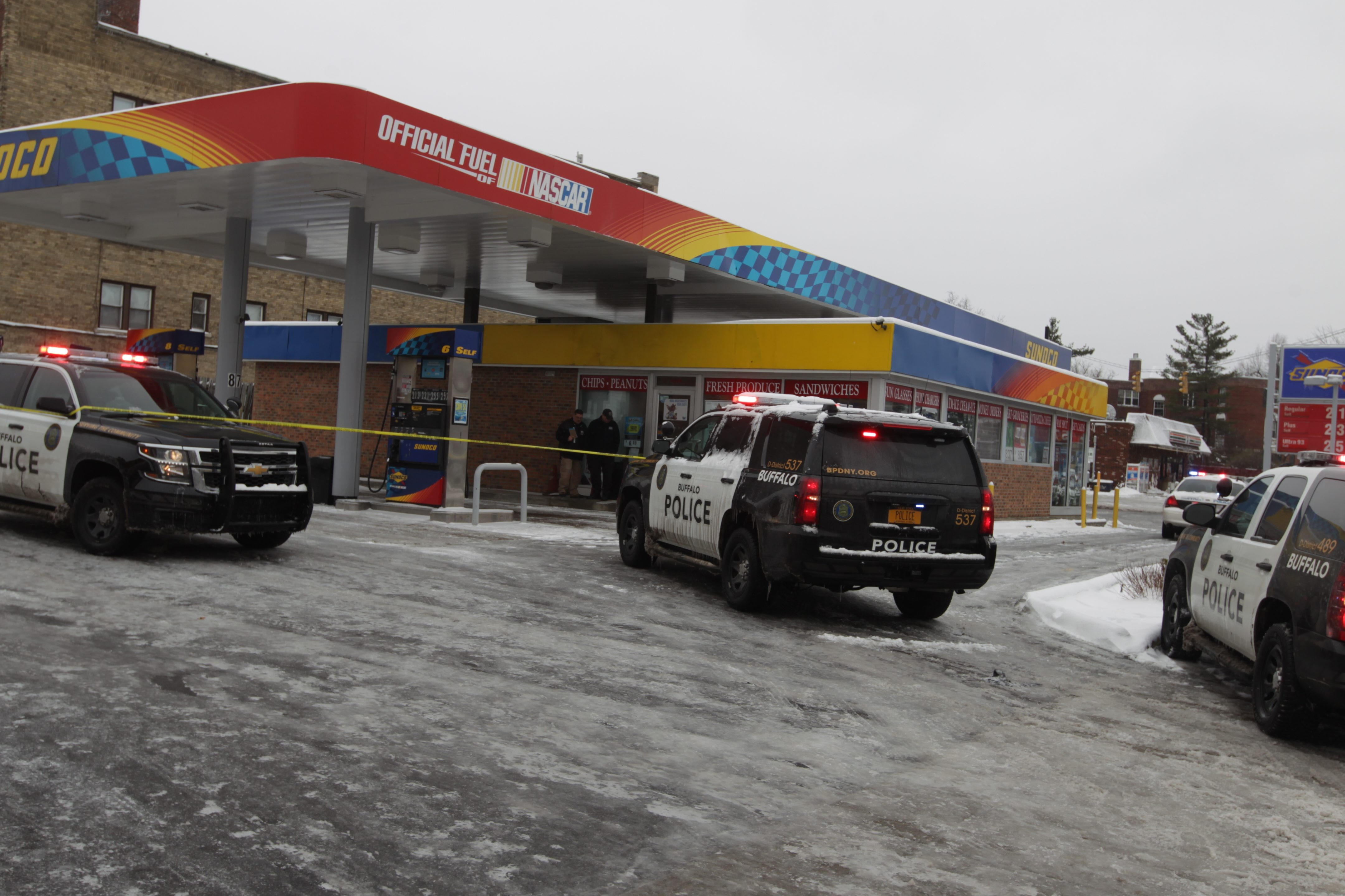 Buffalo Police on the scene of a shooting at the pumps at Sunoco gas station Delaware Ave. and Amherst Street, in  Buffalo,  N.Y., on Monday, April 4, 2016. (John Hickey/Buffalo News)