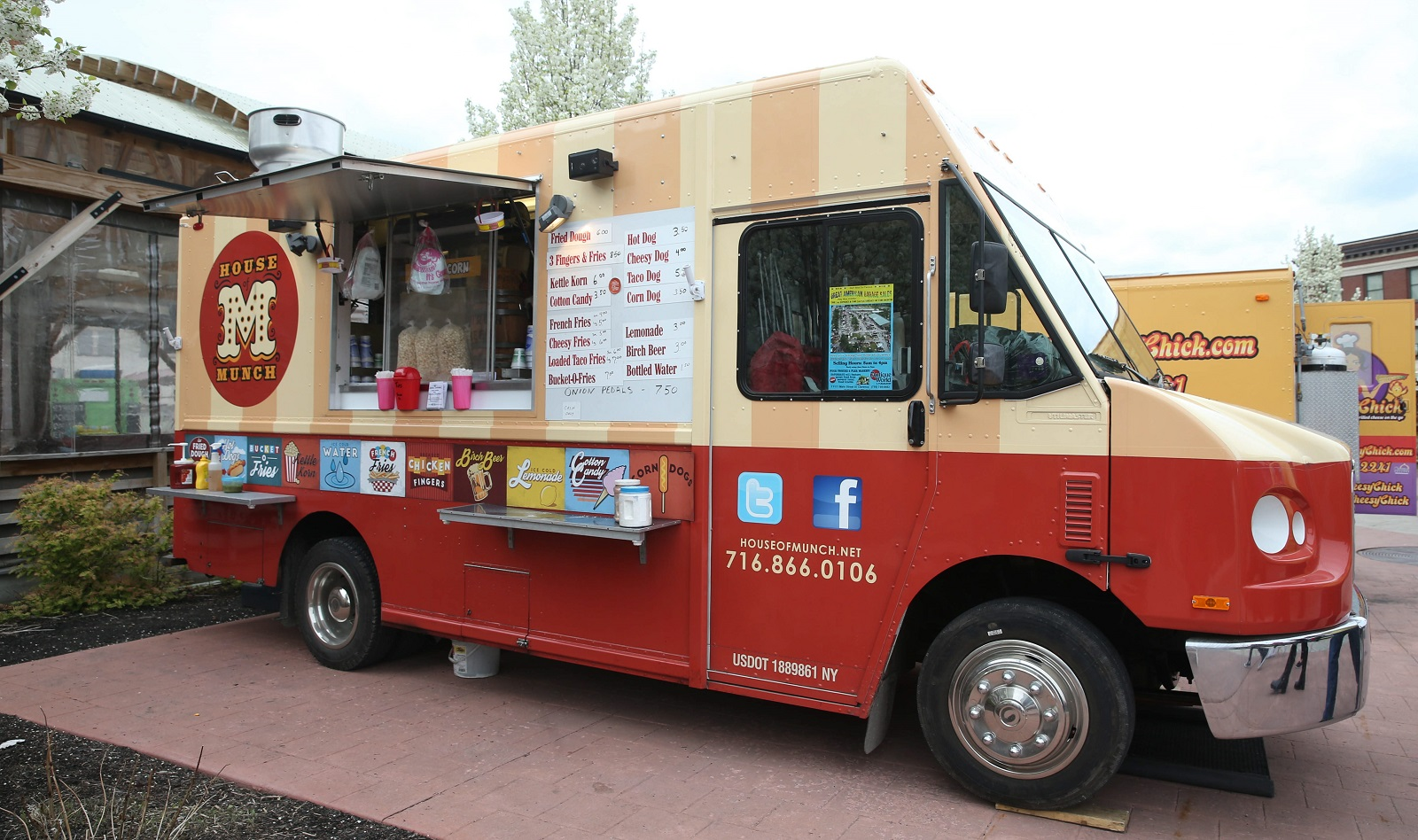 House of Munch food truck.  (Sharon Cantillon/Buffalo News)