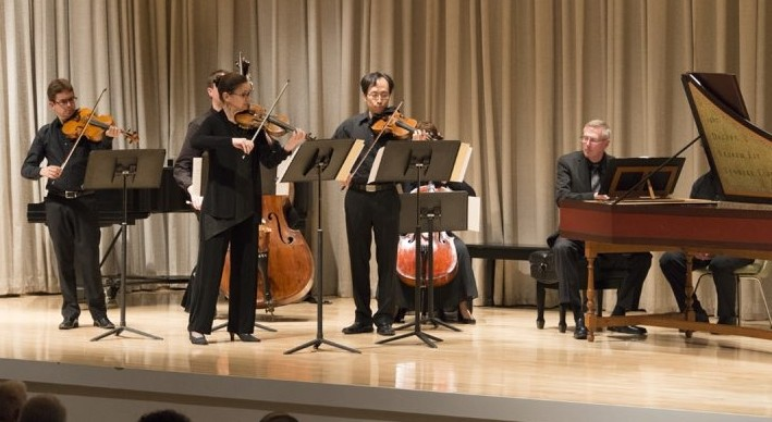 The Buffalo Chamber Players, arrayed on stage at the Albright-Knox Art Gallery, enjoy unusual configurations.