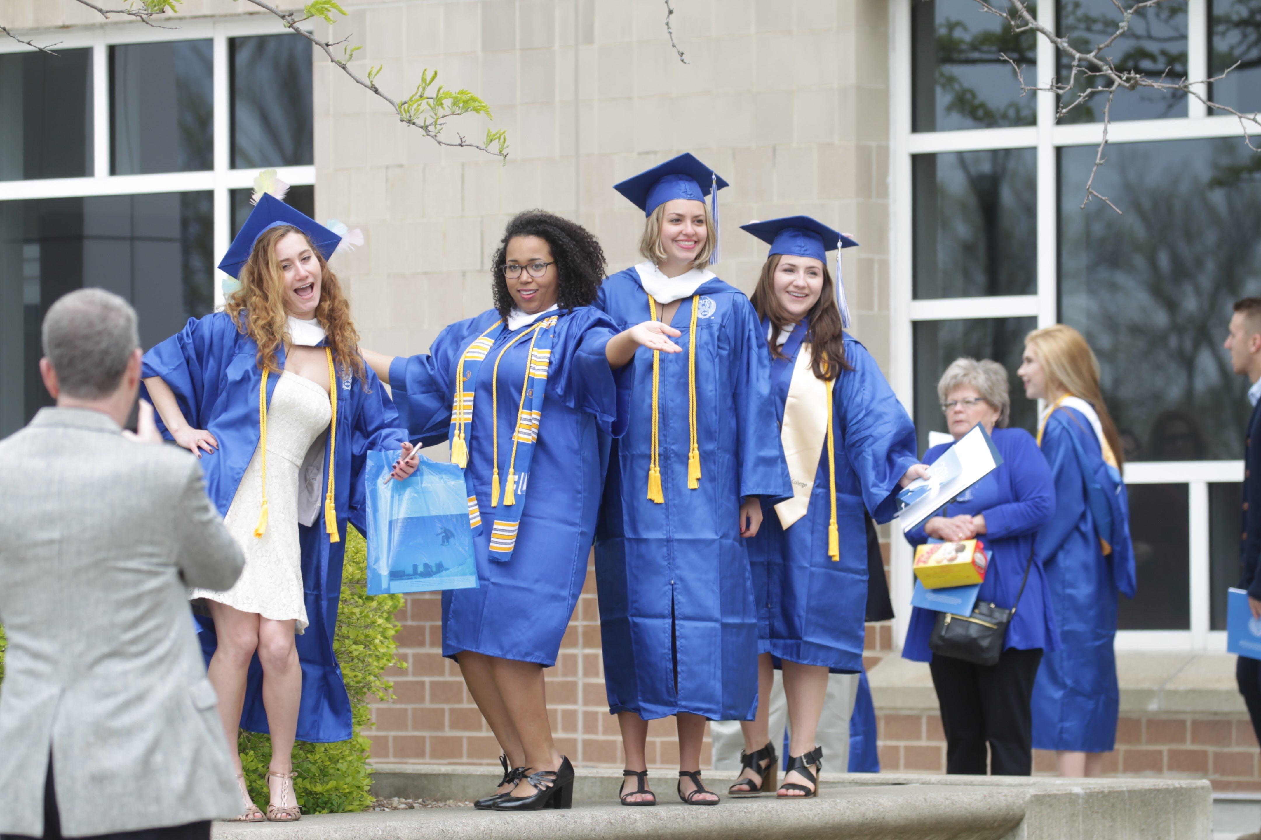 Magnificent Collegiate Cap And Gown Champaign Il Embellishment ...