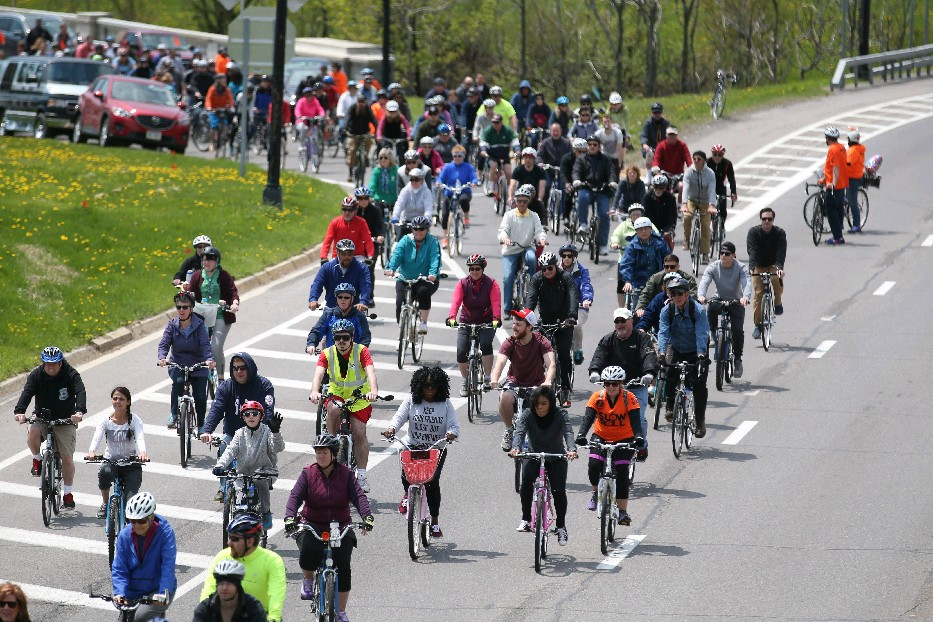 More than 2,000 bicyclists took to the Scajaquada Expressway during last week's Slow Roll. (Sharon Cantillon/Buffalo News)