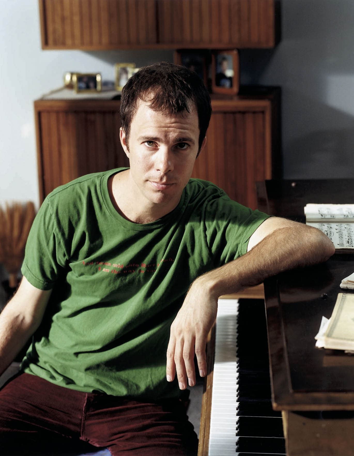 Ben Folds toured this time around with a drummer and Manhattan-based sextet.