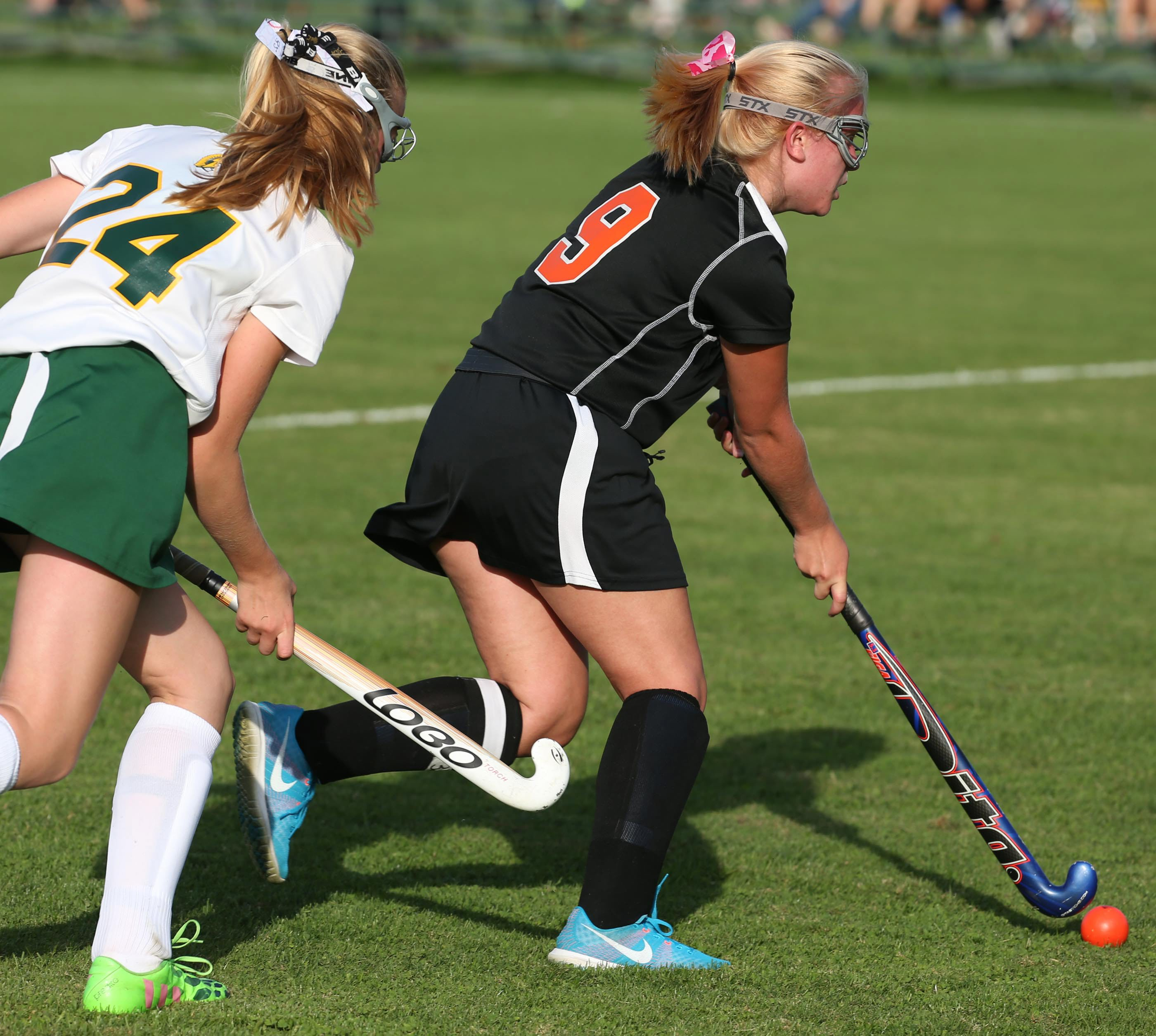 Erin Roland, left, is back for Williamsville North while Jenna Sobol returns to lead Amherst. (James P. McCoy/ Buffalo News)