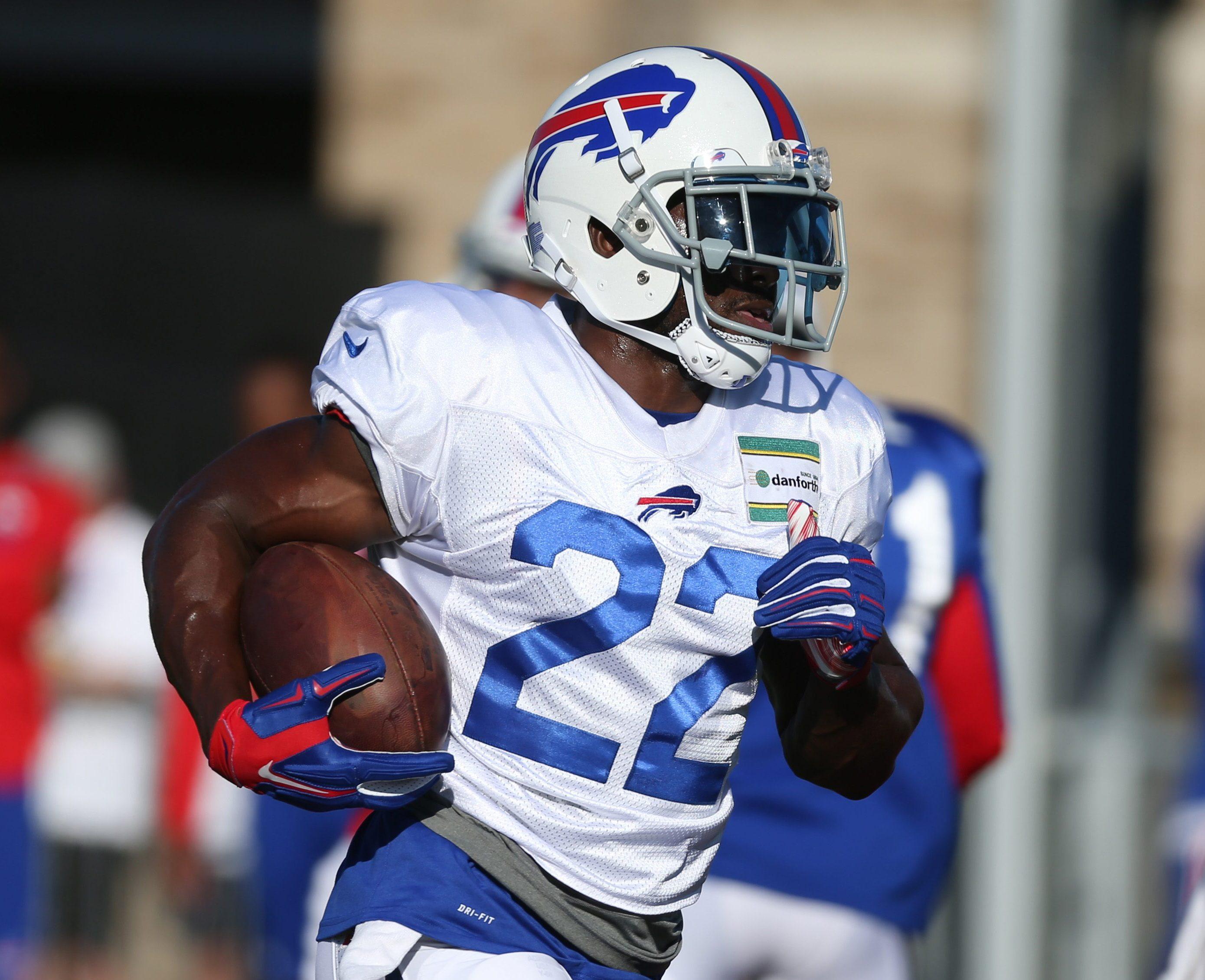 Despite a dismal 2016 season for the Buffalo Bills, veteran running back Reggie Bush would like to continue playing. (James P. McCoy/ Buffalo News)