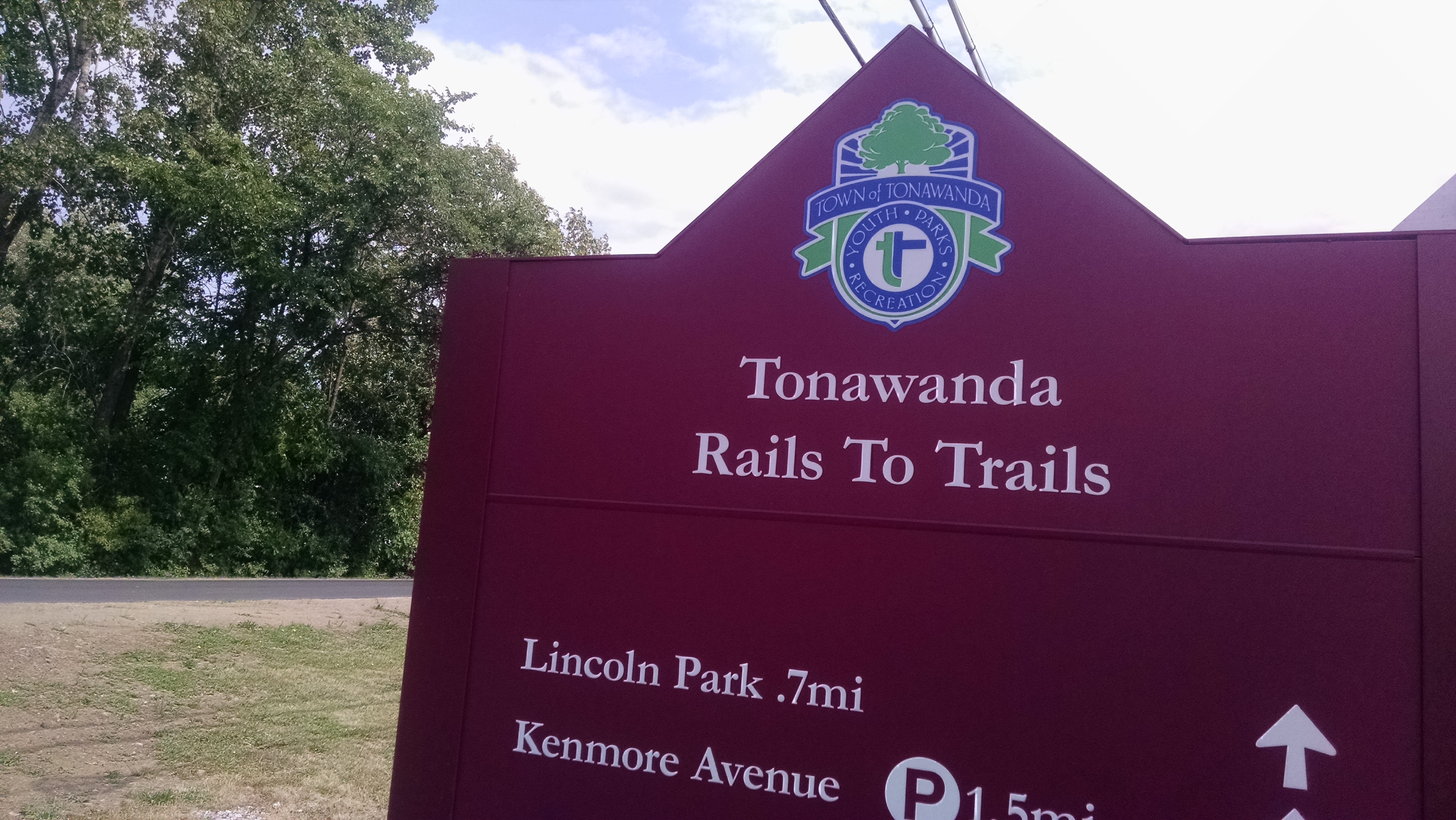 The Tonawanda Rails to Trails is a 4-mile paved path for recreation and commuting.