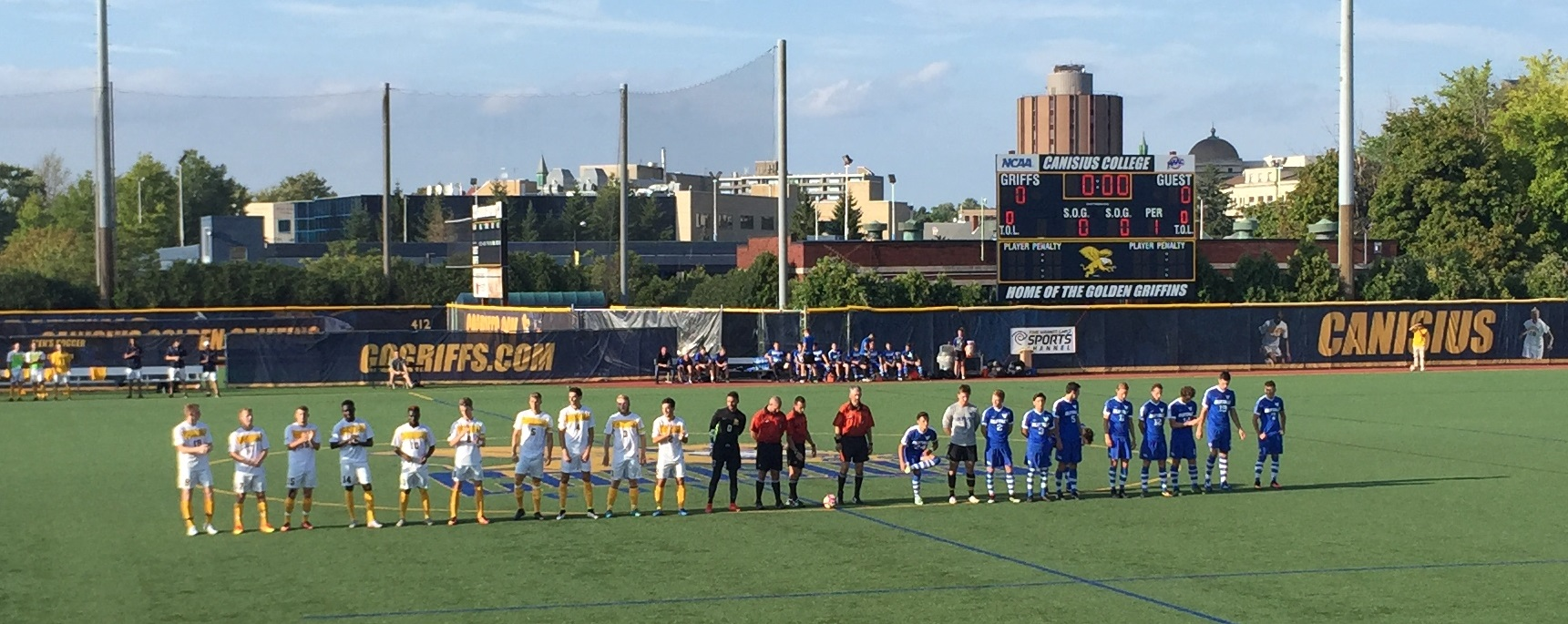 Canisius Golden Griffins, left, faced off against the UB Bulls, in blue, for the Big 4 Shield. (Ben Tsujimoto/Buffalo News)