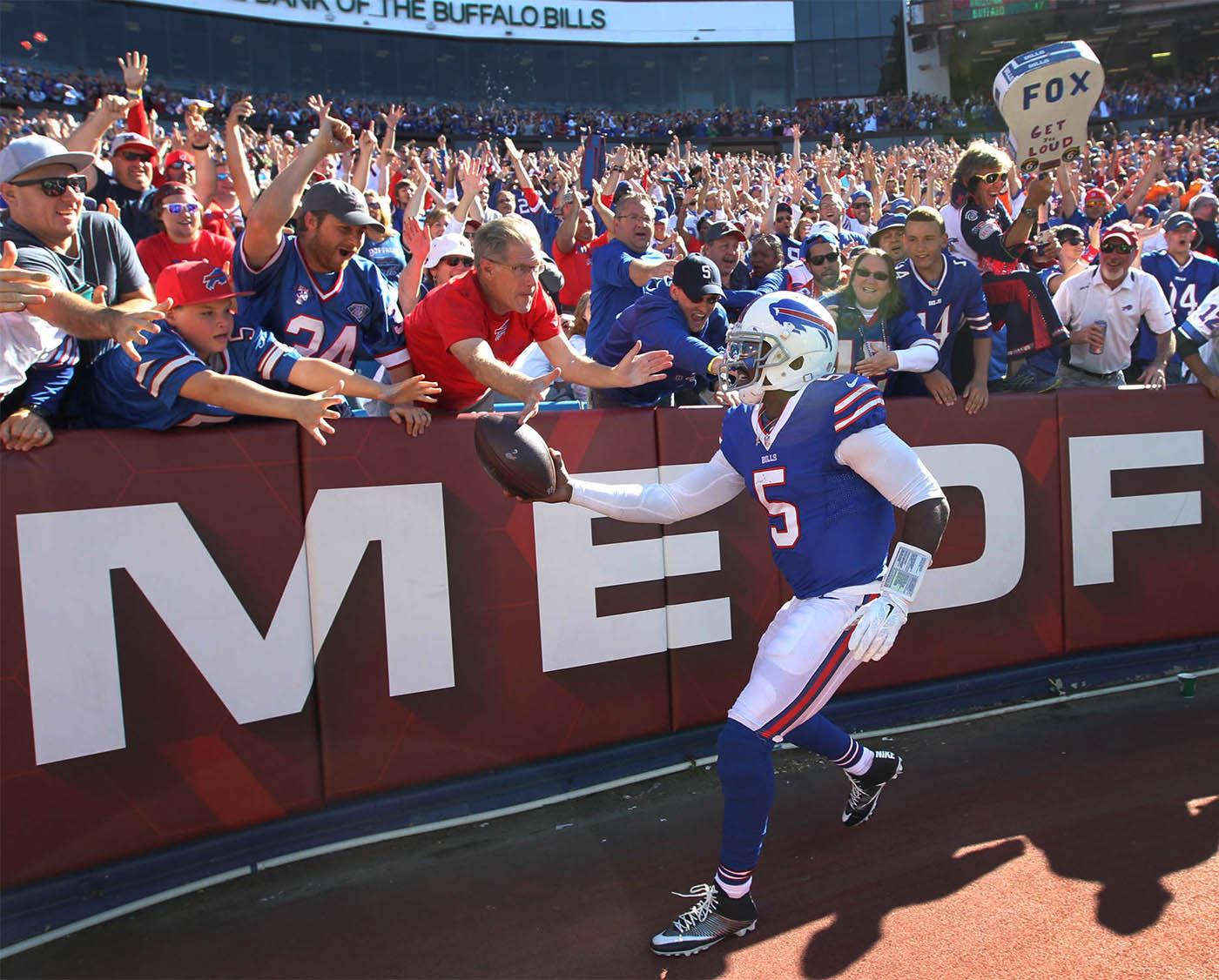 Buffalo Bills quarterback Tyrod Taylor celebrates his rushing touchdown in the third quarter against the Arizona Cardinals at New Era Field in Orchard Park, N.Y. on Sunday, Sept. 25, 2016. (James P. McCoy/ Buffalo News)